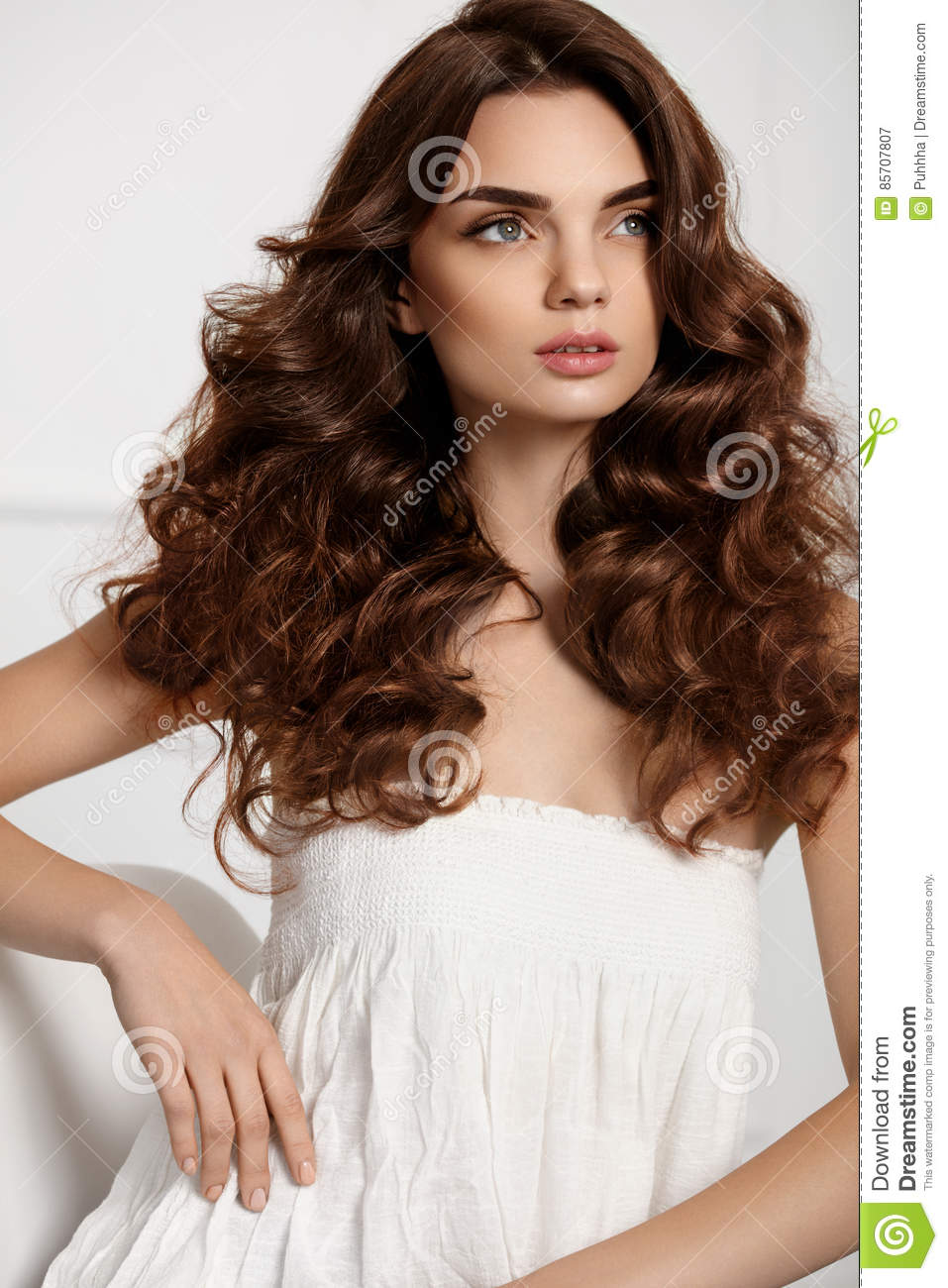 Beautiful Girl Model With Wavy Curly Hairstyle Brown Hair Color