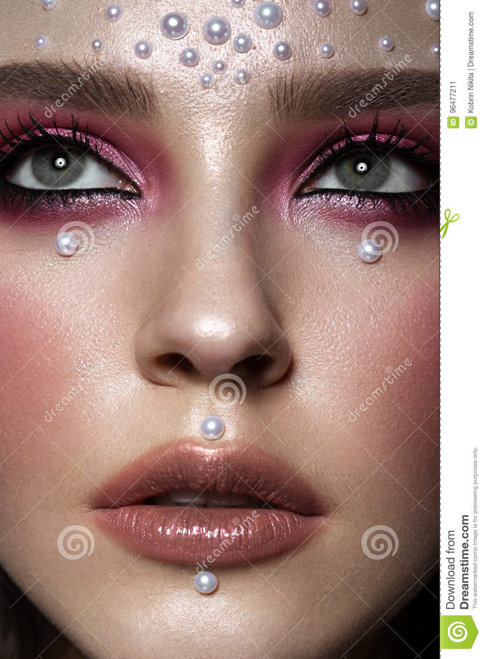 Beautiful Girl With Perfect Art Makeup And Pearl Beads Beauty Face Stock Image Image Of Pearls Pose 96477211