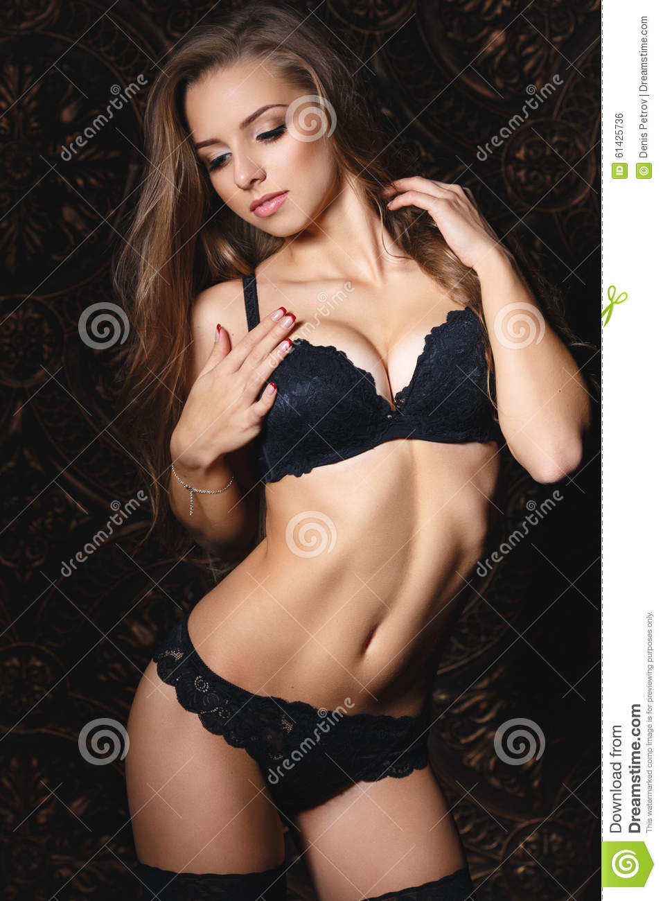 Fille Sexy Lingerie beautiful girl in a black lingerie stock photo - image of portrait