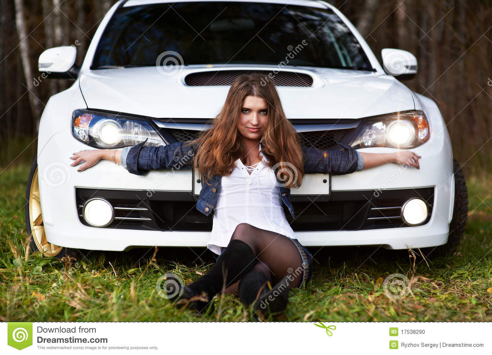 Фото идеи девушки с машиной