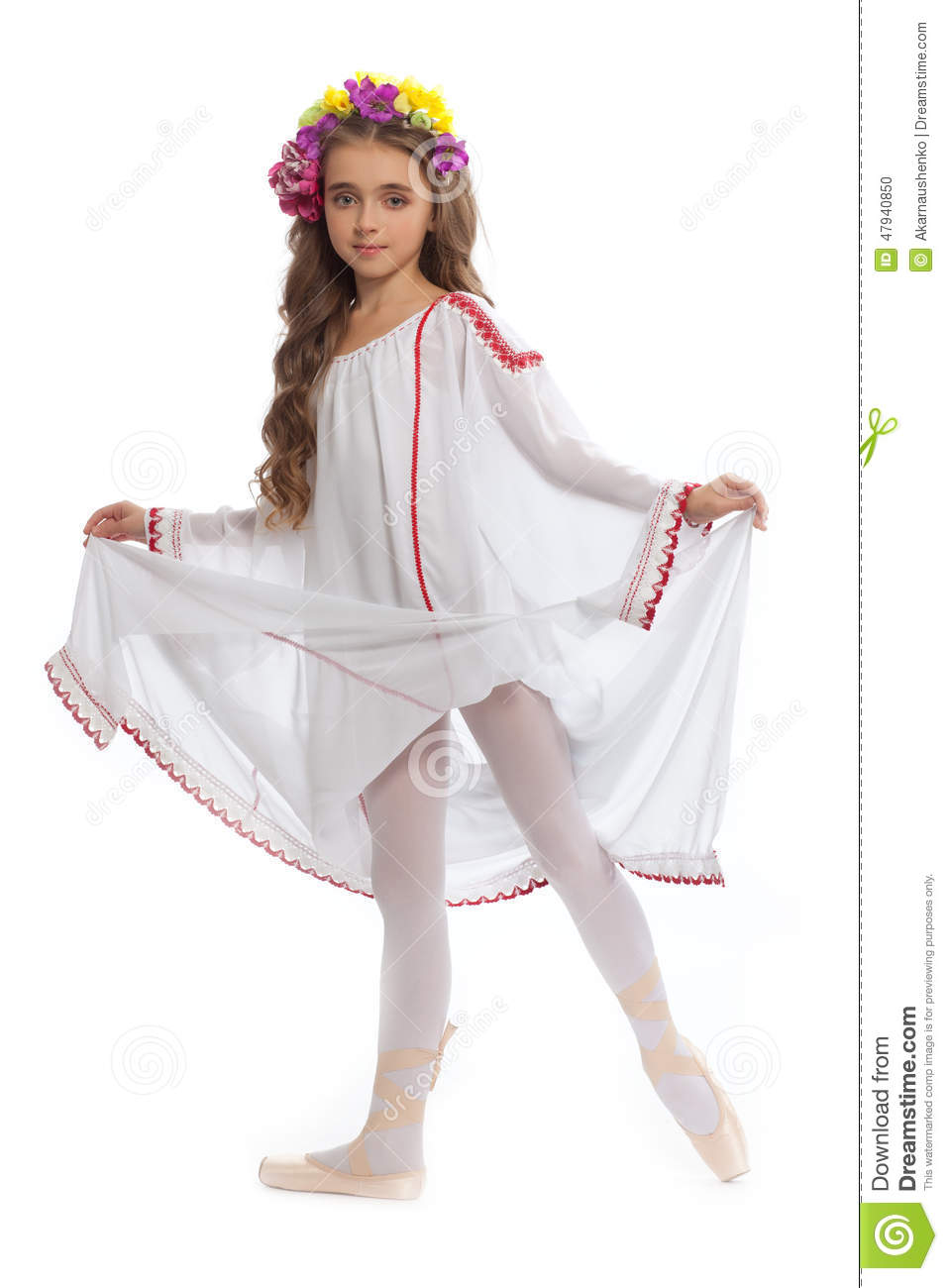 Beautiful Girl Teen In White Clothes On Pointe With Brown Hair And Wreath Of Flowers -2195