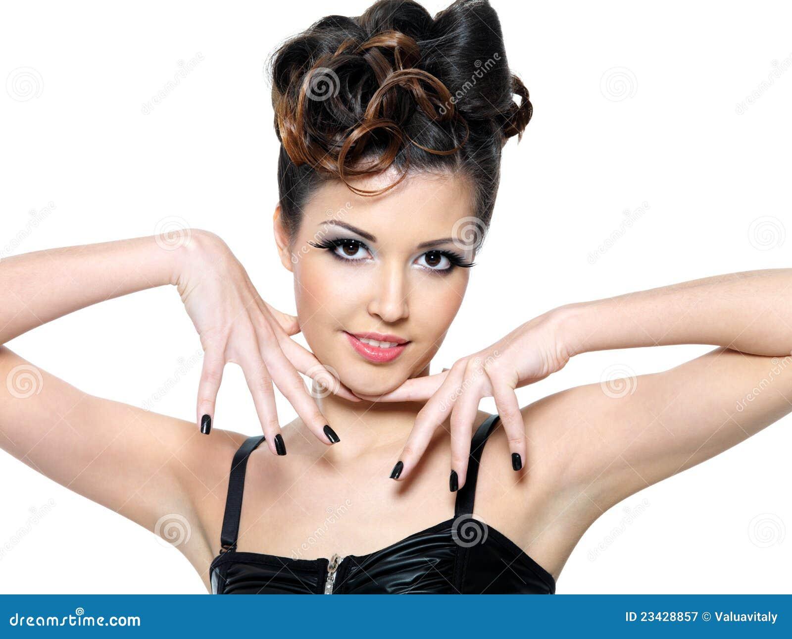 Секс девушки с чёрными ногтями 16 фотография