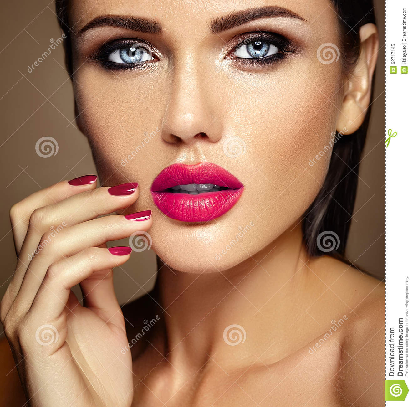 Beauty Glamur: Beautiful Glamour Model With Fresh Daily Makeup With Stock