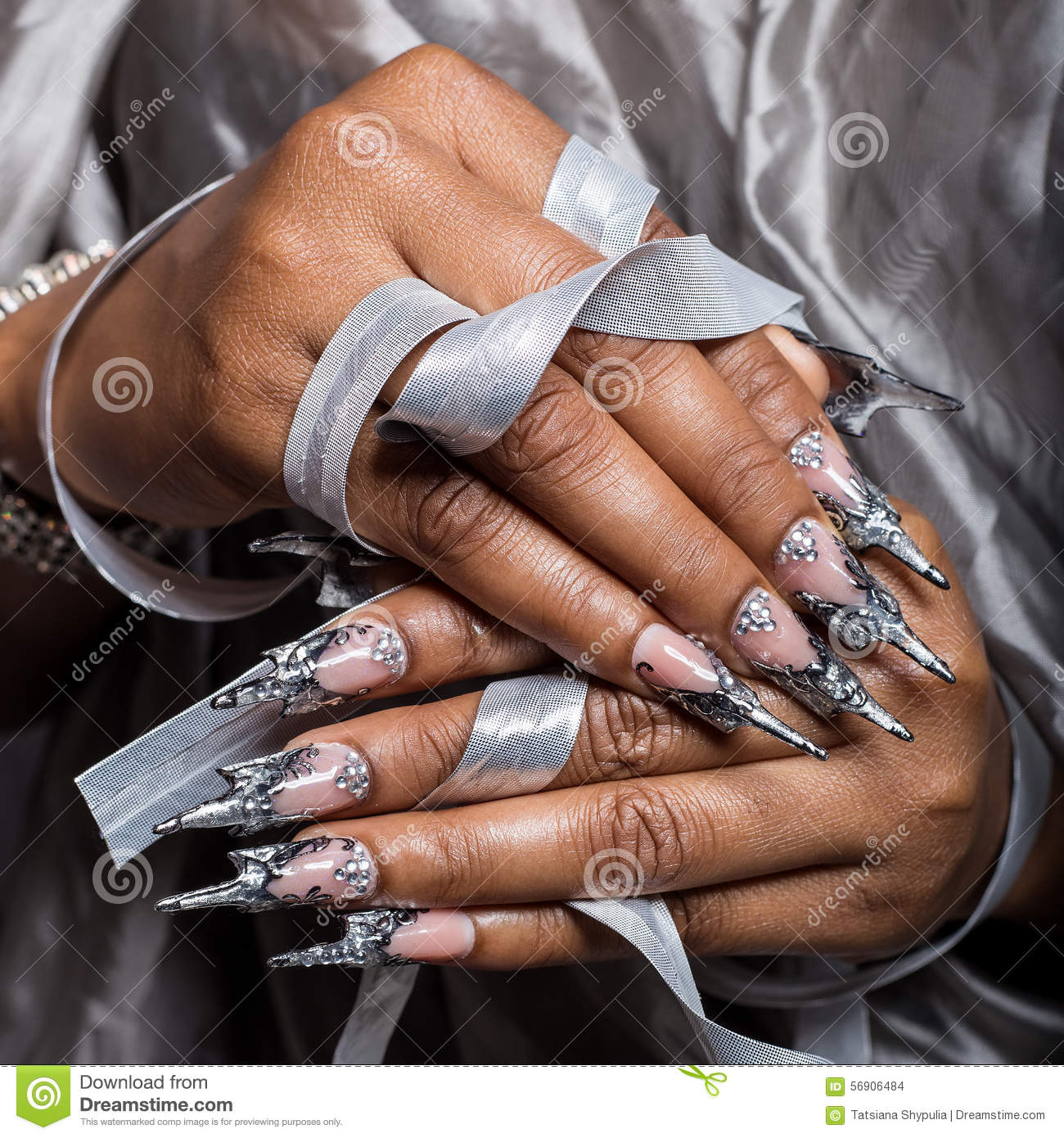 Beautiful Hand Of The Girl With Dark Skin Graft Acrylic Nails Nail Unusual Fotmoy Brunette Care