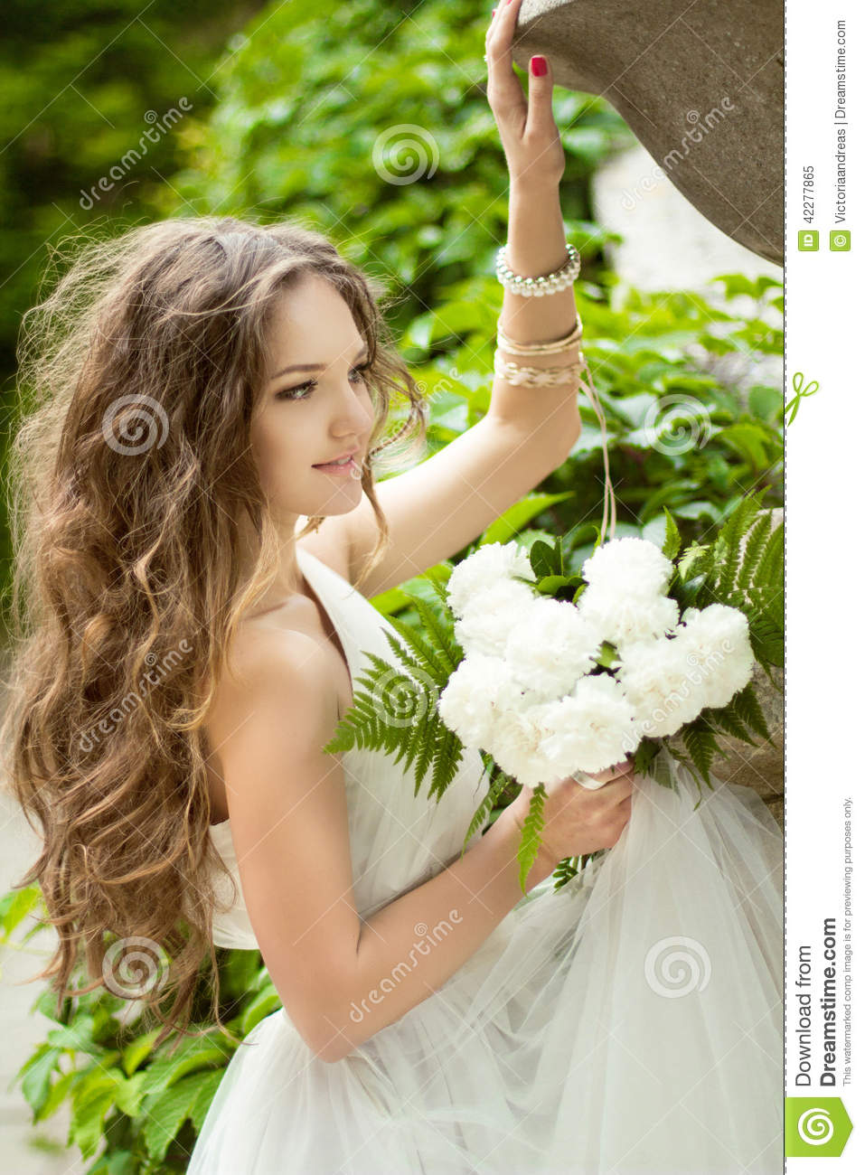 Marvelous Beautiful Happy Bride With Long Wavy Hair And Wedding Makeup Ho Hairstyles For Women Draintrainus