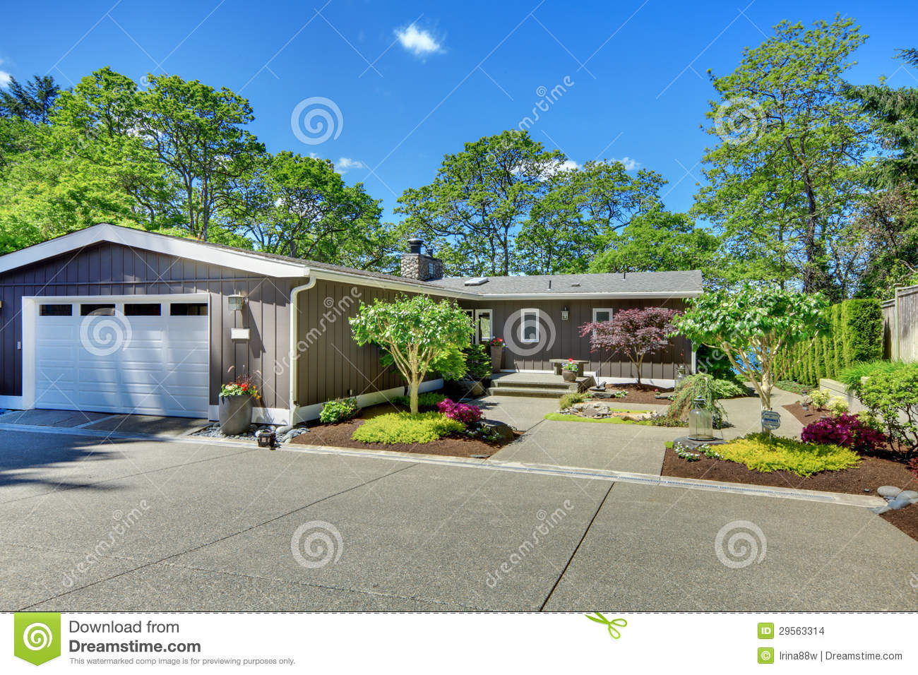 Beautiful home with garage lake view and large front yard for Garage in front of house