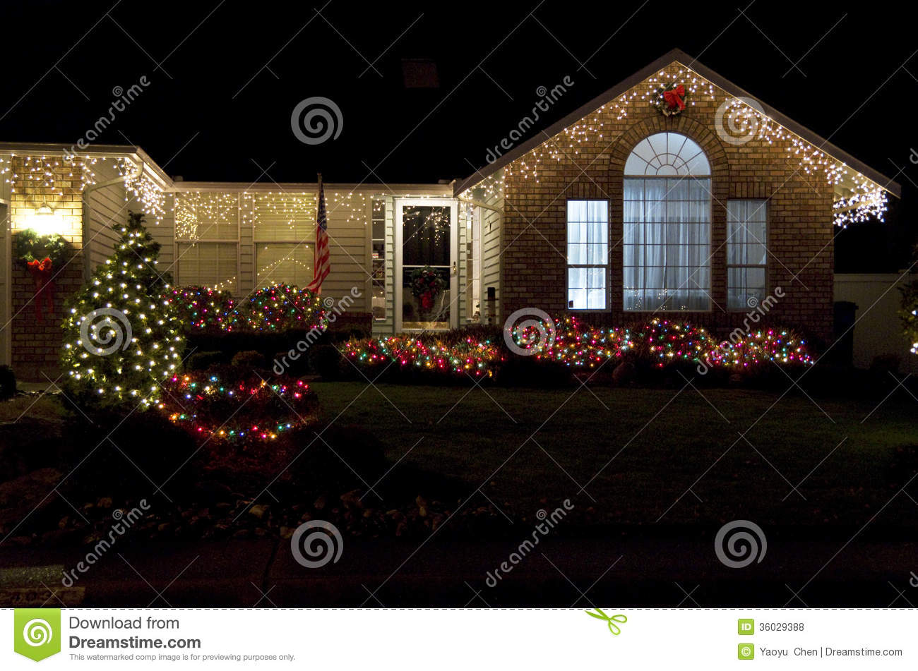 Beautiful home house christmas lights lighting stock photo for Beautiful home lighting