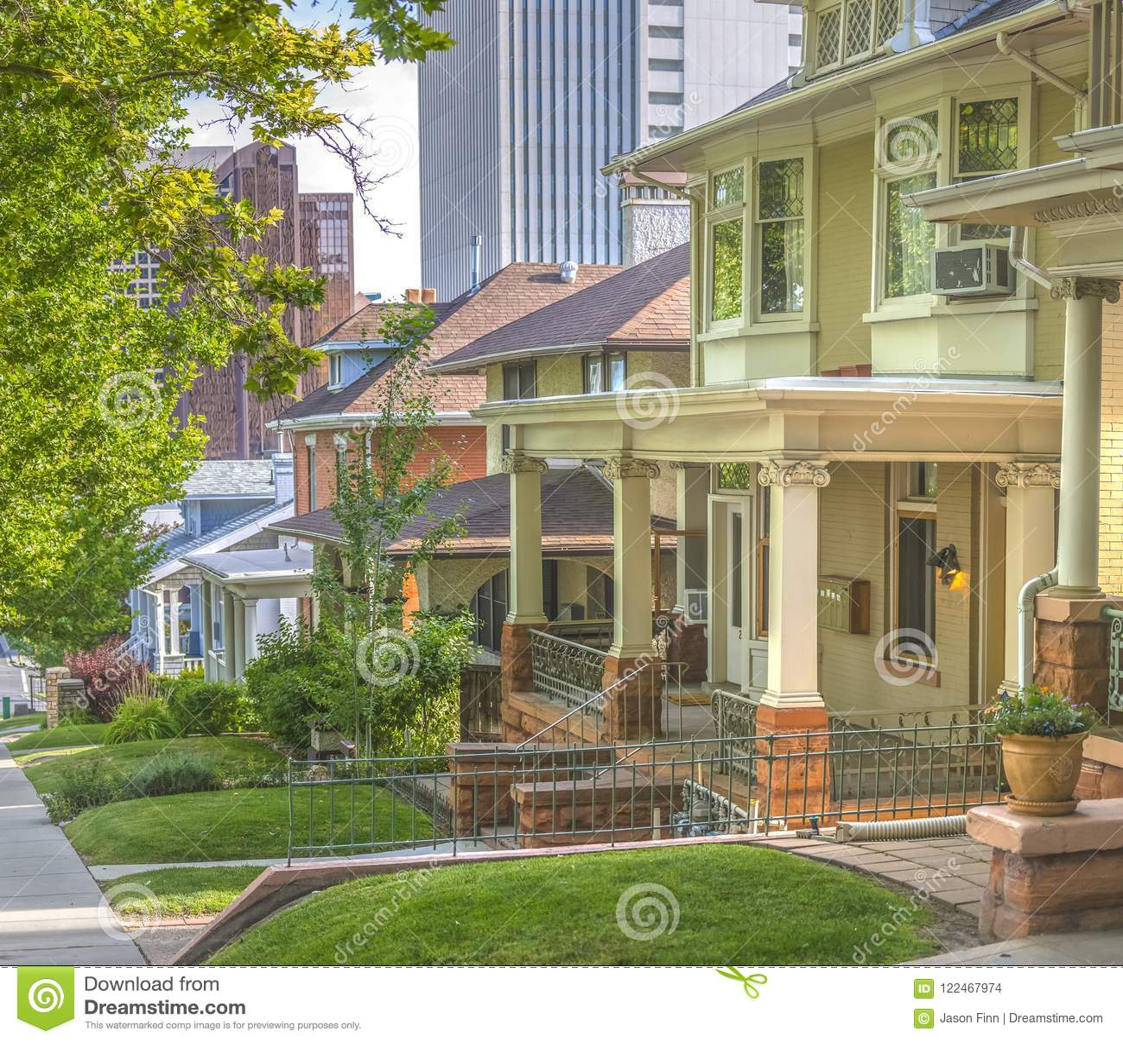 Salt Lake City Housing: City Views Behind Residential Homes In Salt Lake Stock