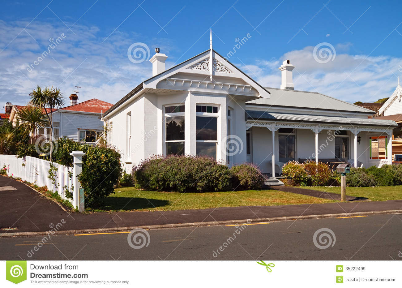 Beautiful house royalty free stock images image 35222499 for New beautiful home