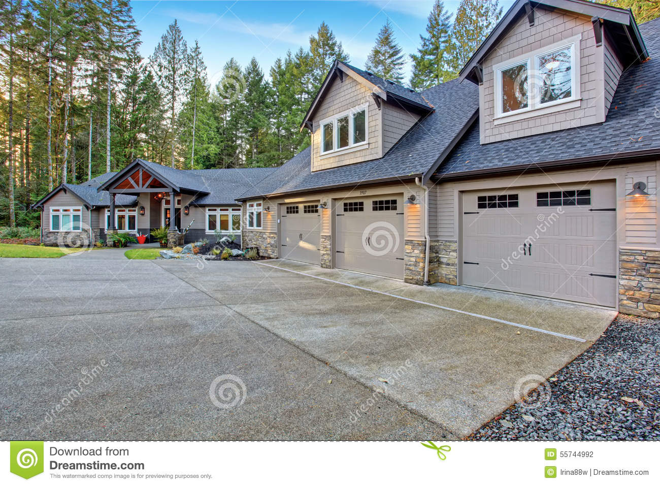 Beautiful House With Driveway Stock Photo Image 55744992