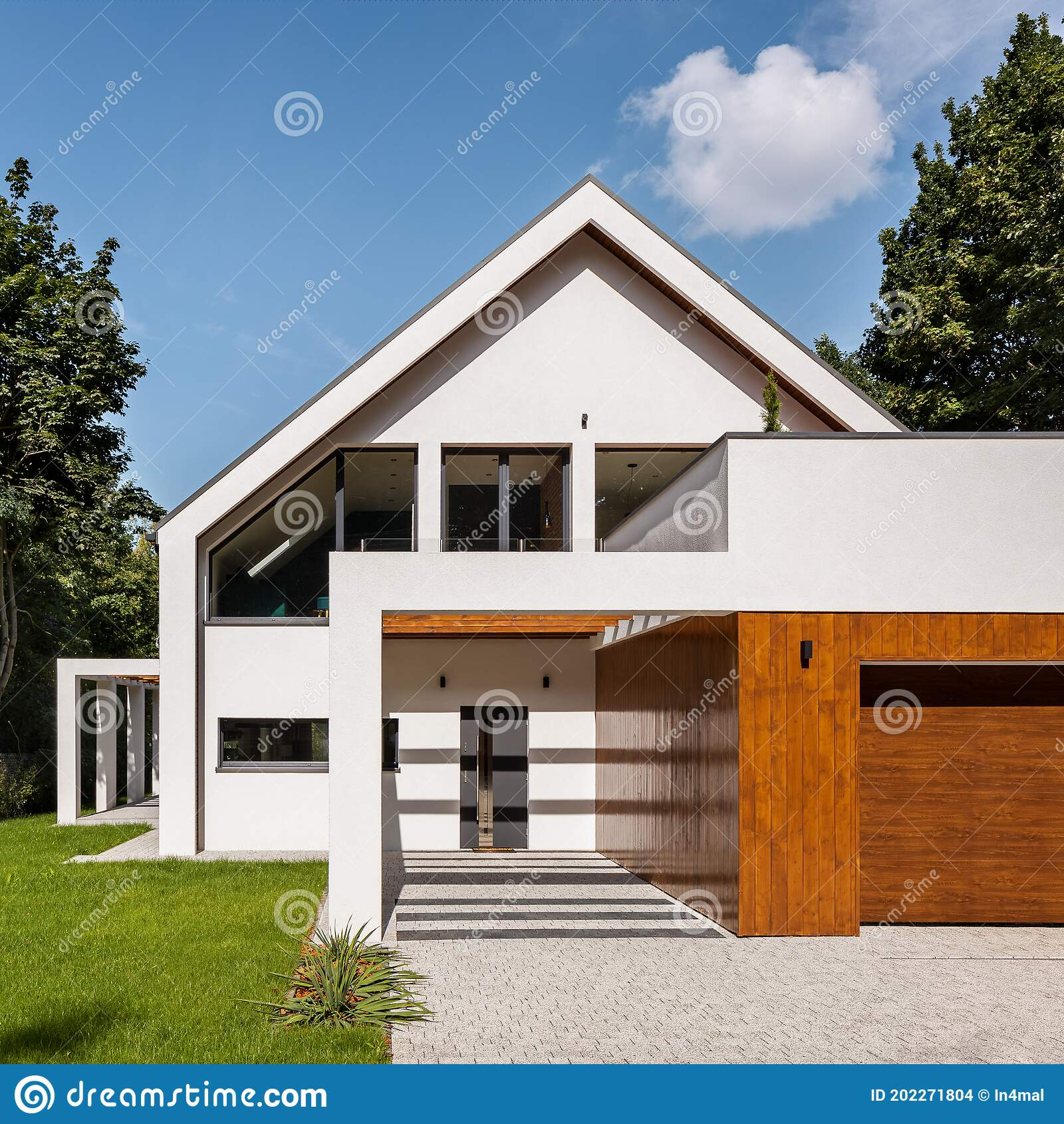 Beautiful House Exterior View Stock Photo Image Of Building Garden 202271804