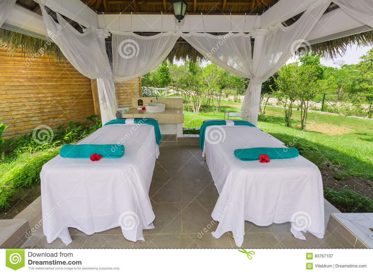 Garden tent - a comfortable and comfortable lounge 99