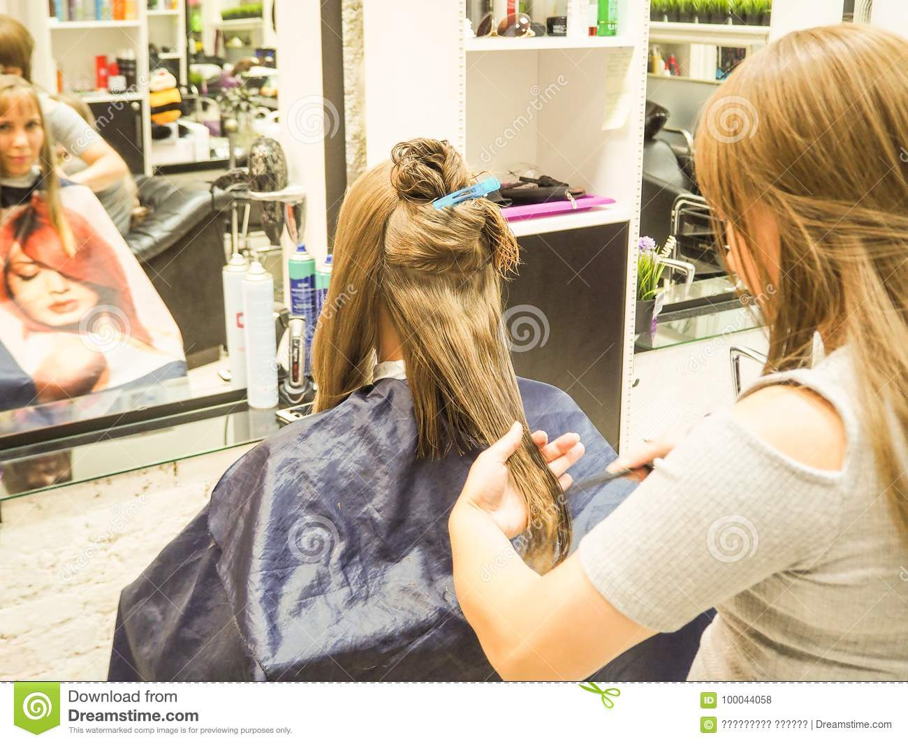 In which hairdressing salon in St. Petersburg you can make a stylish haircut 12