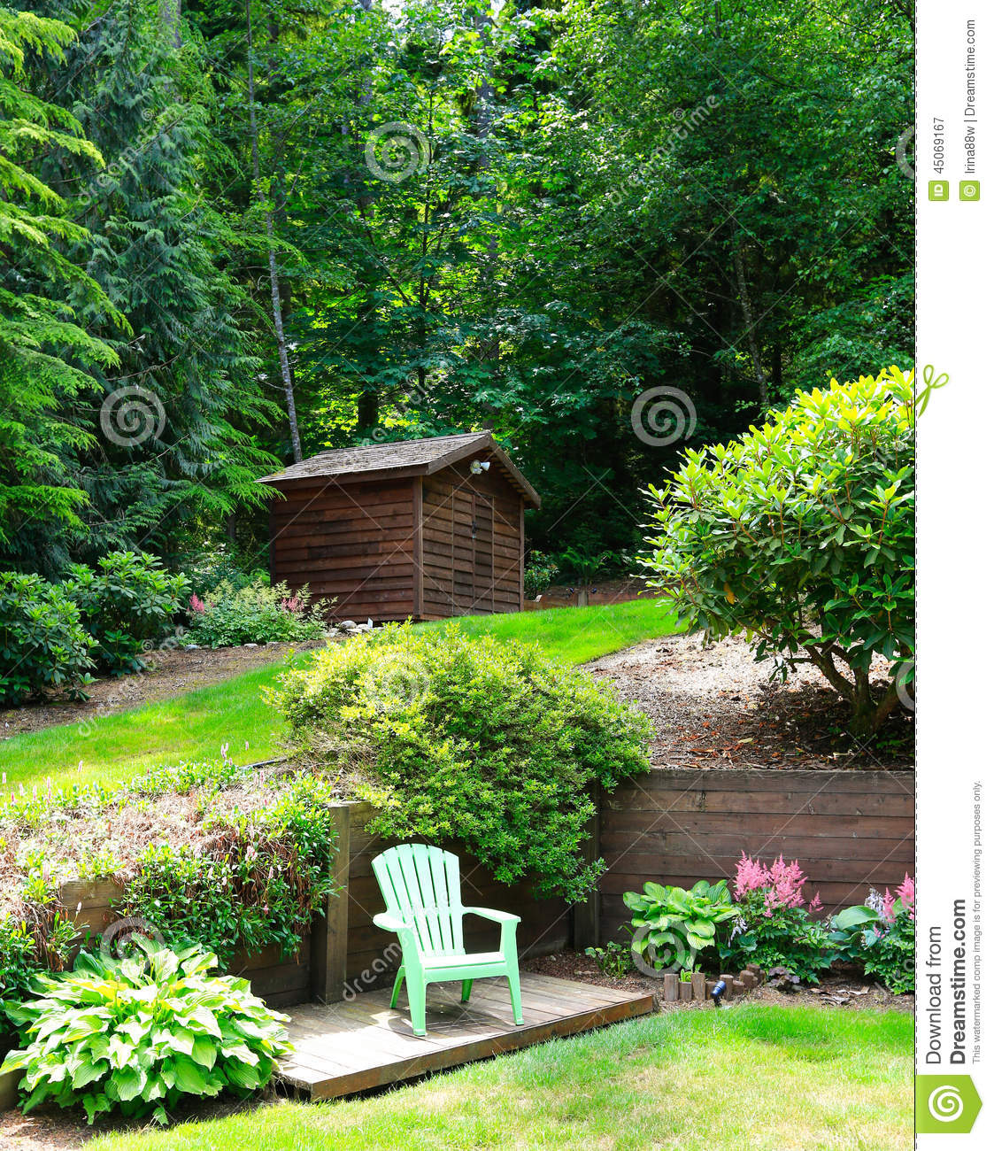 Beautiful landscape design with romantic sitting area for Beautiful landscape design