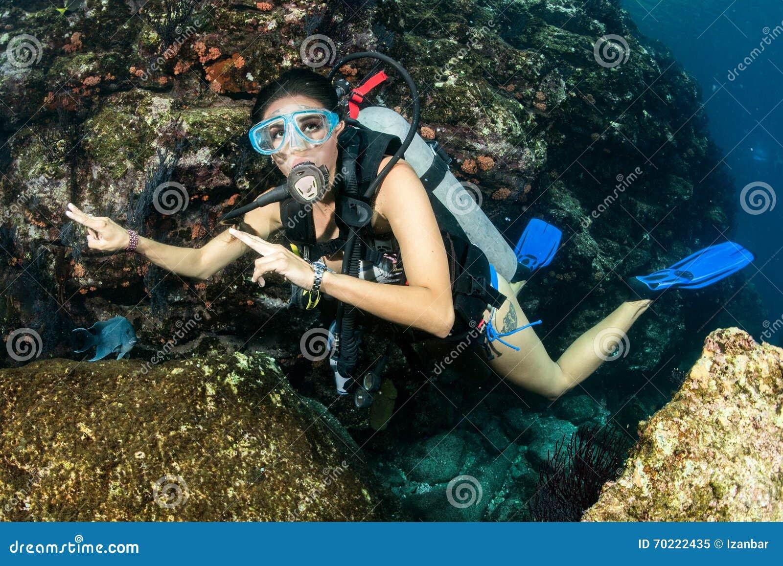 Beautiful Latina Scuba Diver Girl Stock Photo - Image: 70222435