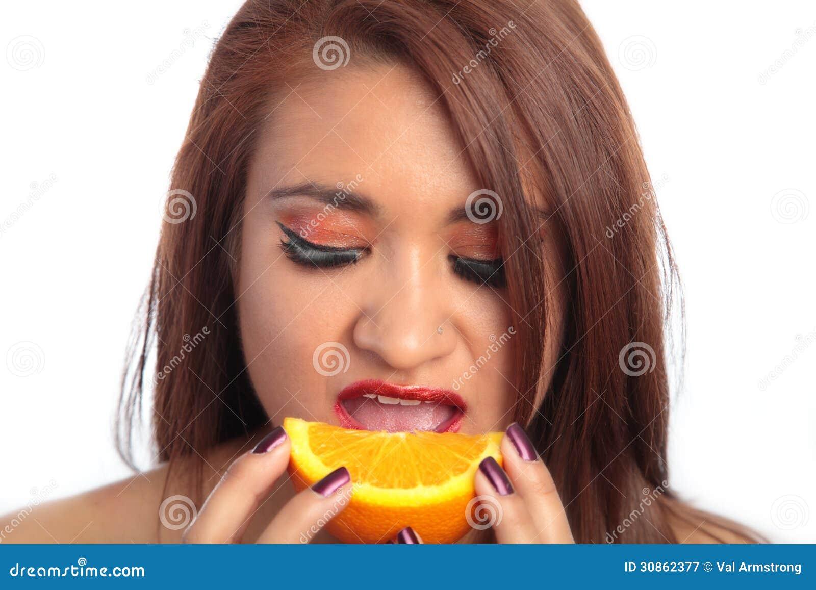 latina girls eating pussy