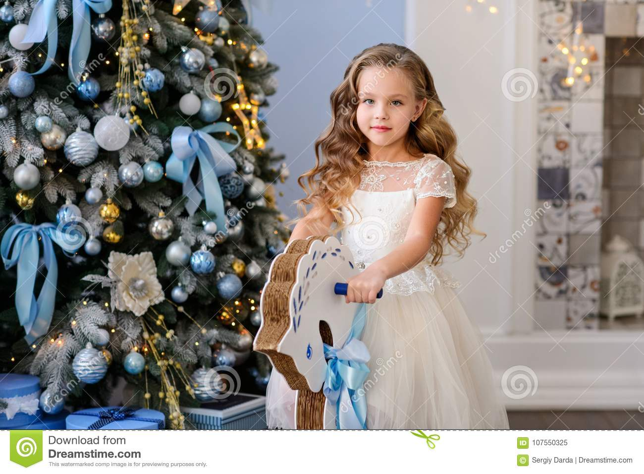 Beautiful little girl in a amazing dress