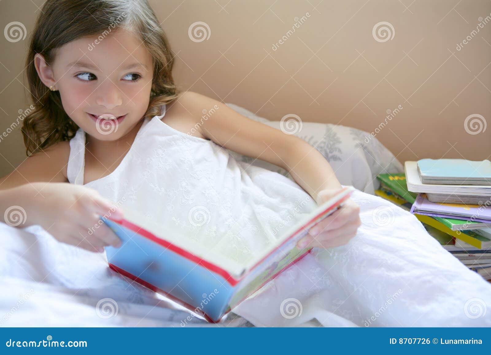 Смотреть порно маленькие девочки домашнее 17 фотография