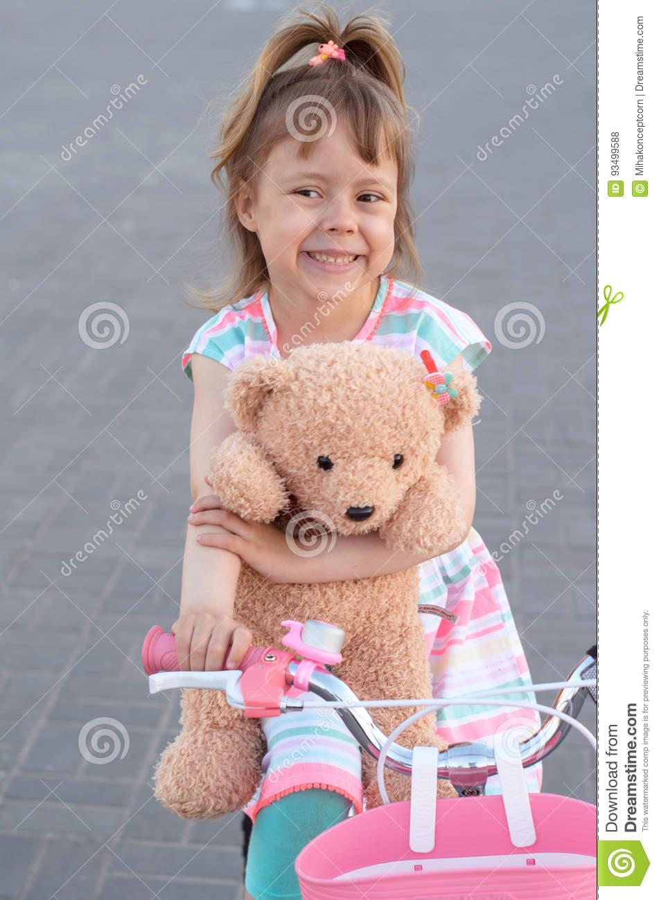 teddy Girl bear rides