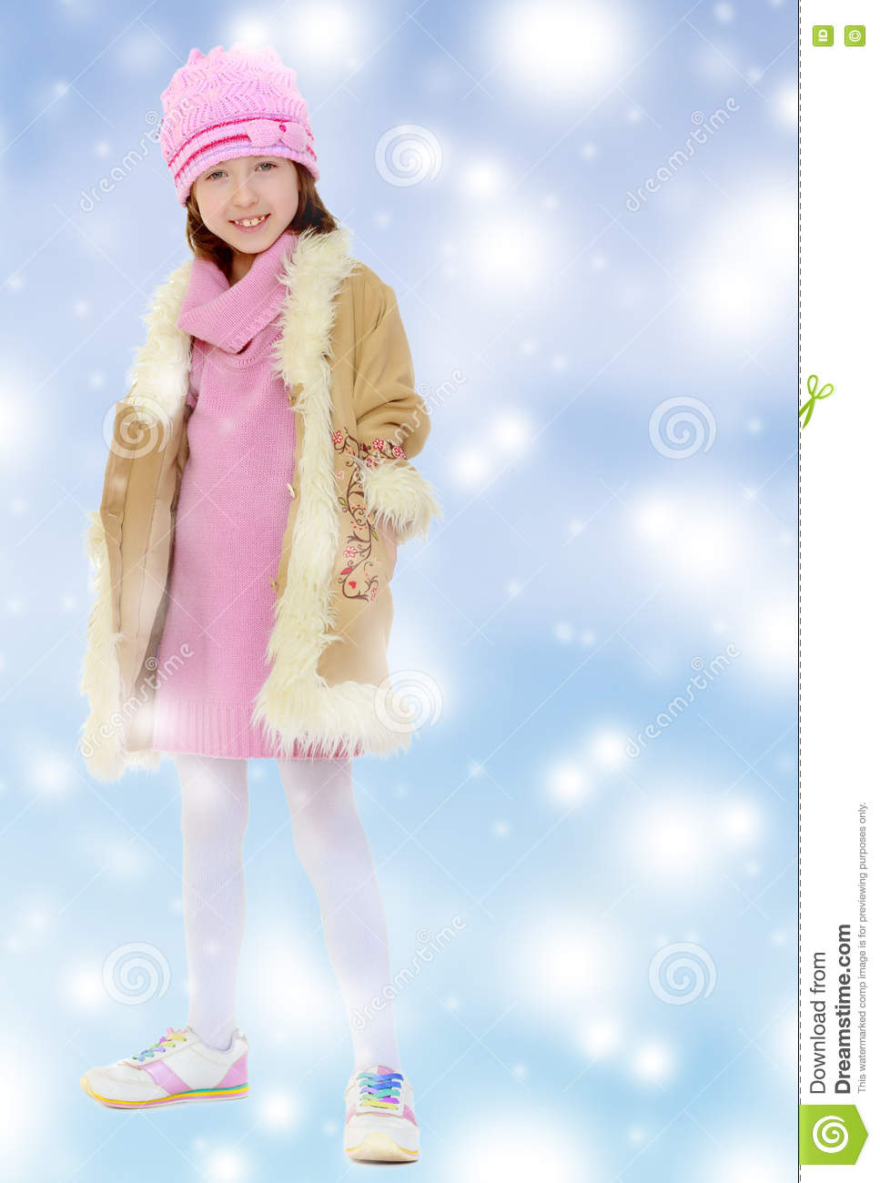 5be806e46bee Beautiful Little Girl In Winter Coat With Fur. Stock Photo - Image ...