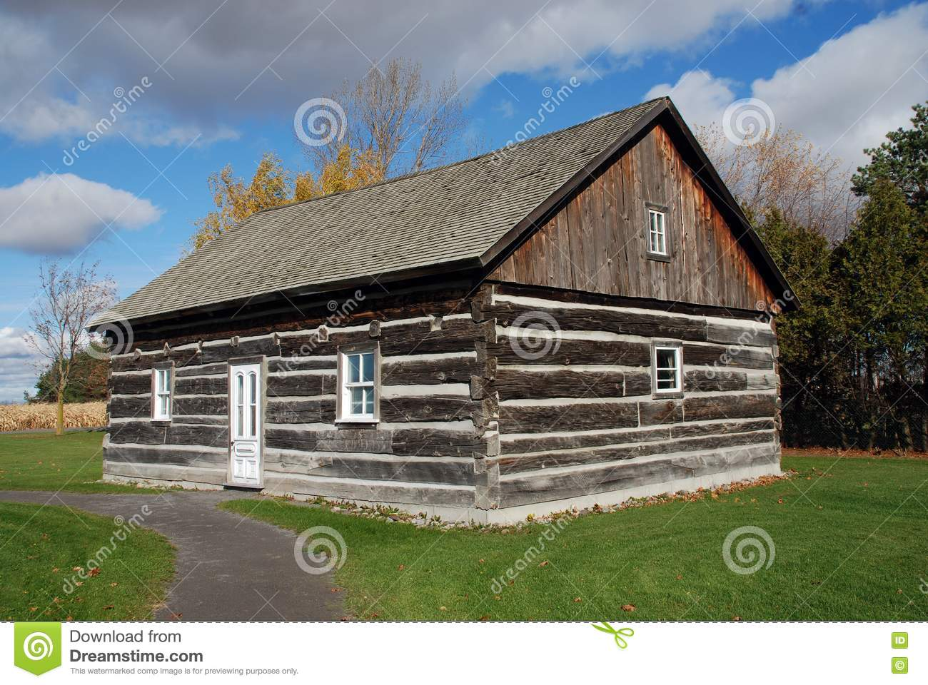 Beautiful log cabin quebec canada for Canadian log cabins