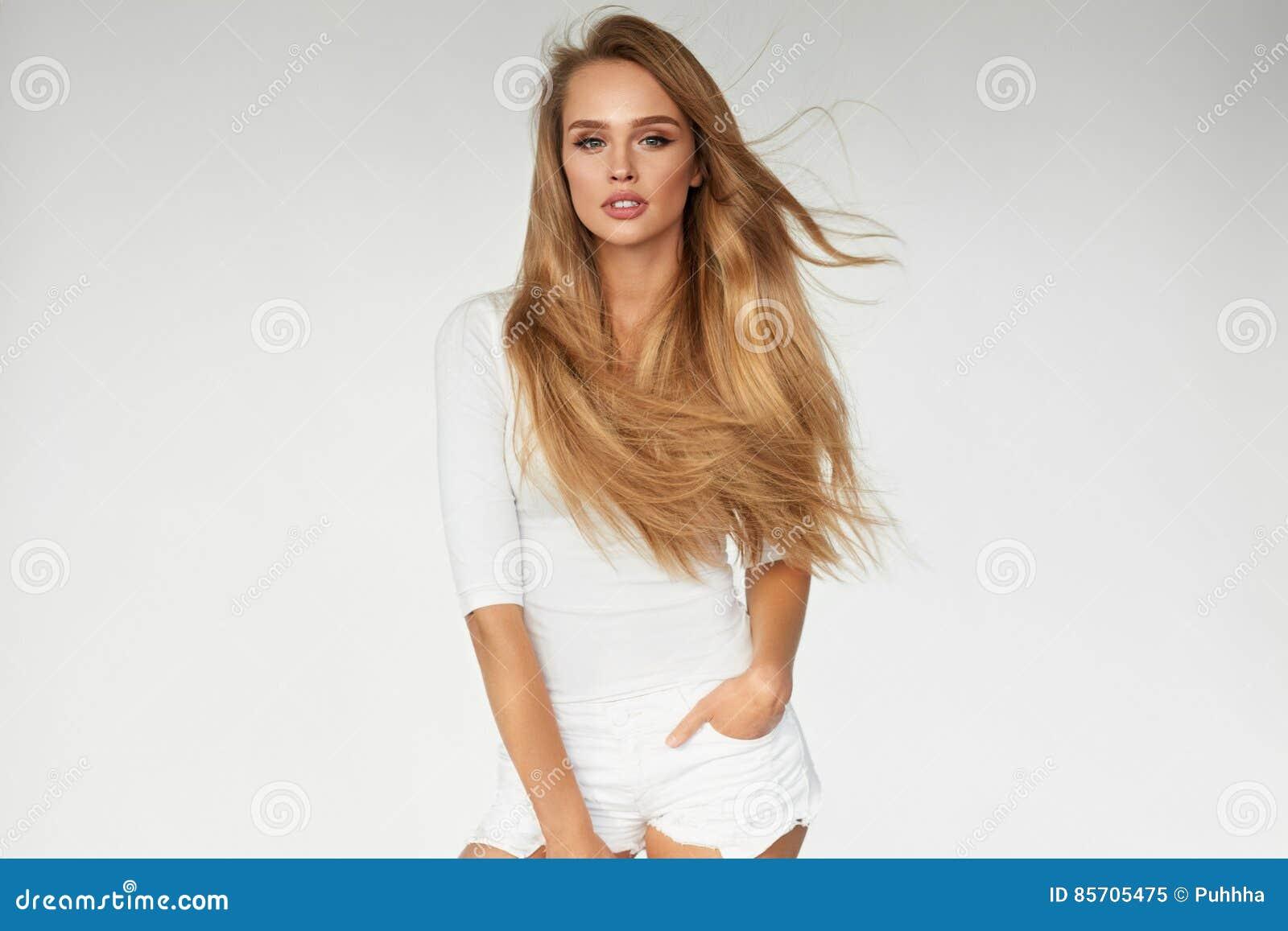 _ With Beautiful Long för sexig kvinnamodell blont hår