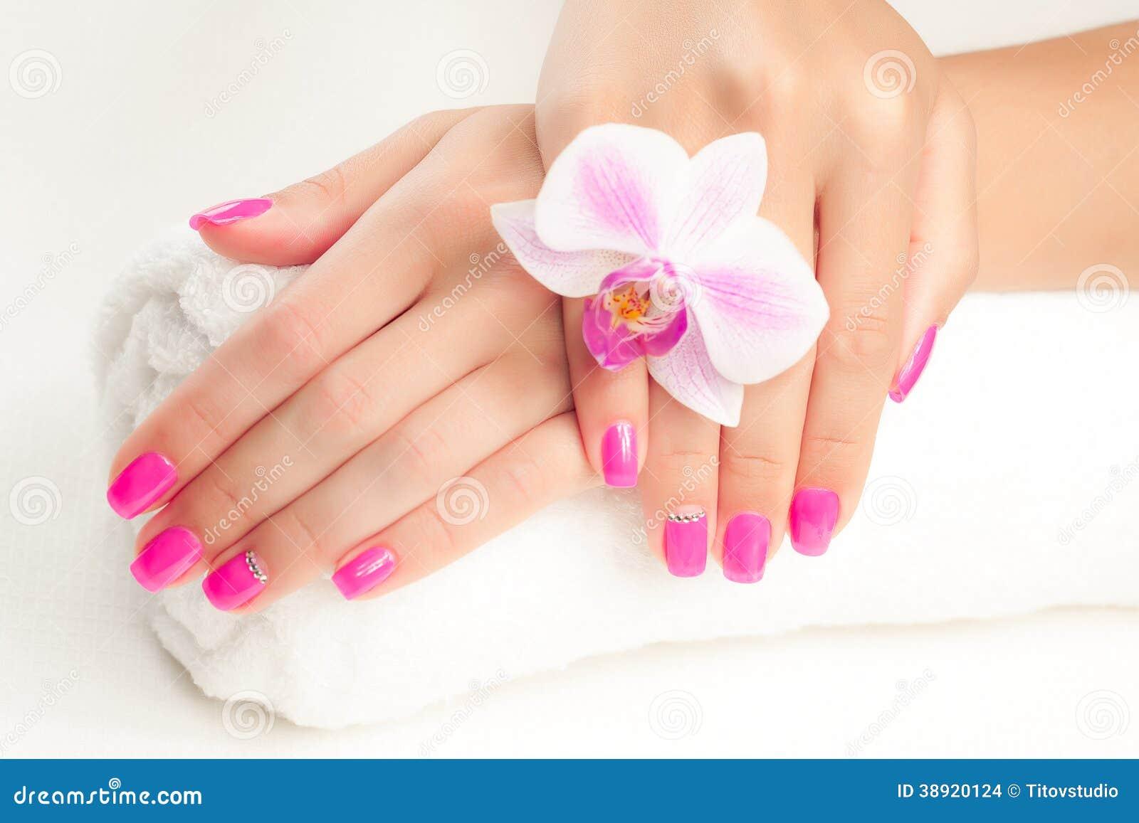Фото красивого маникюра ногтей