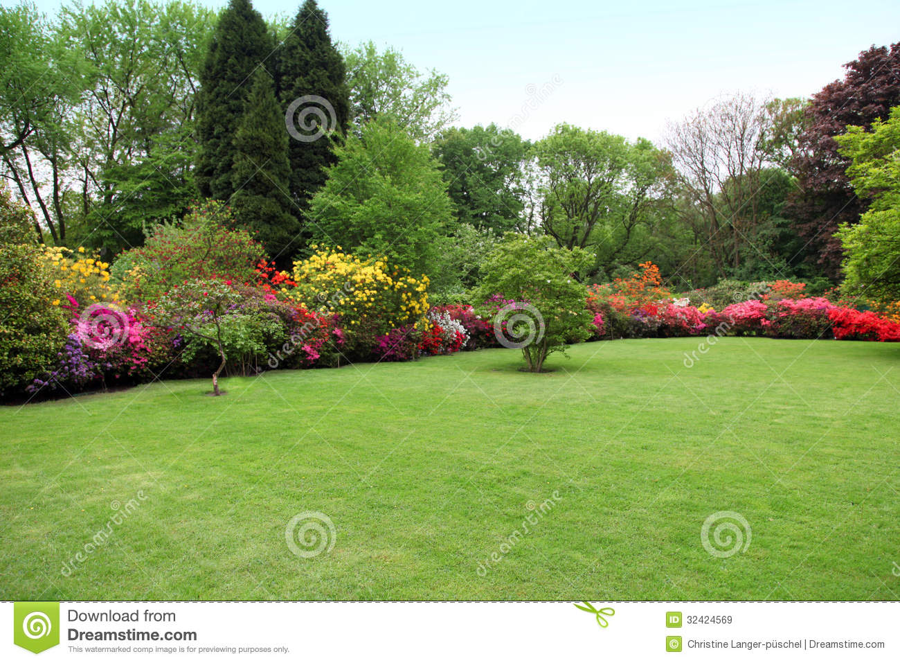 Beautiful Manicured Lawn In A Summer Garden Royalty Free