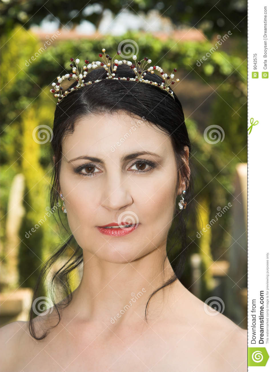 royalty mature singles Find non-nude stock images in hd and millions of other royalty-free stock photos, illustrations, and vectors in the shutterstock collection thousands of new, high-quality pictures added.