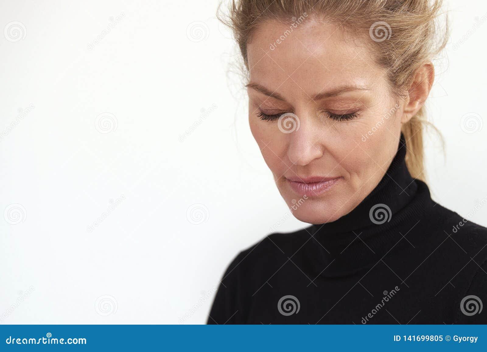 Tied deepthroat housewife