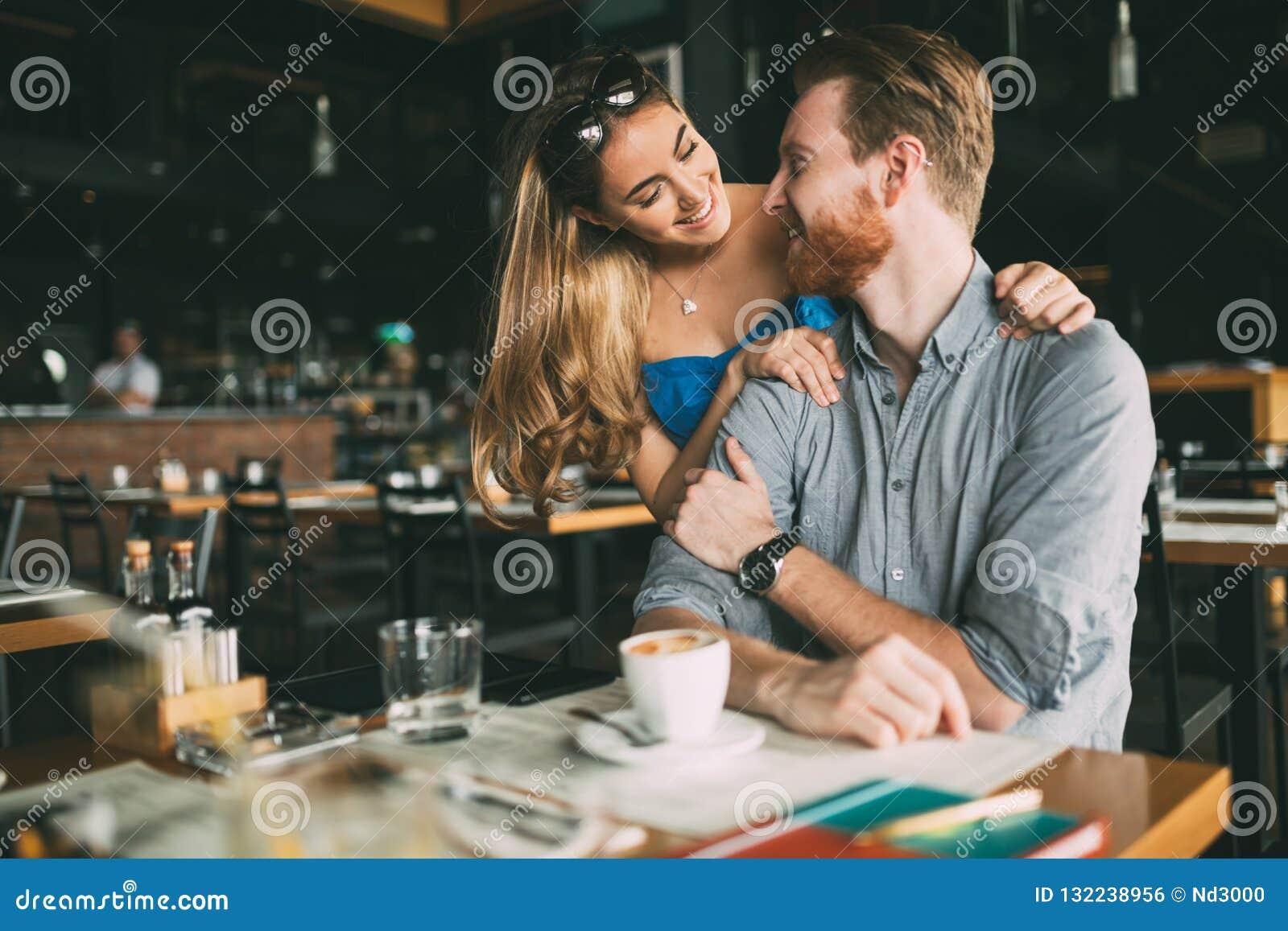 Mann frau flirt