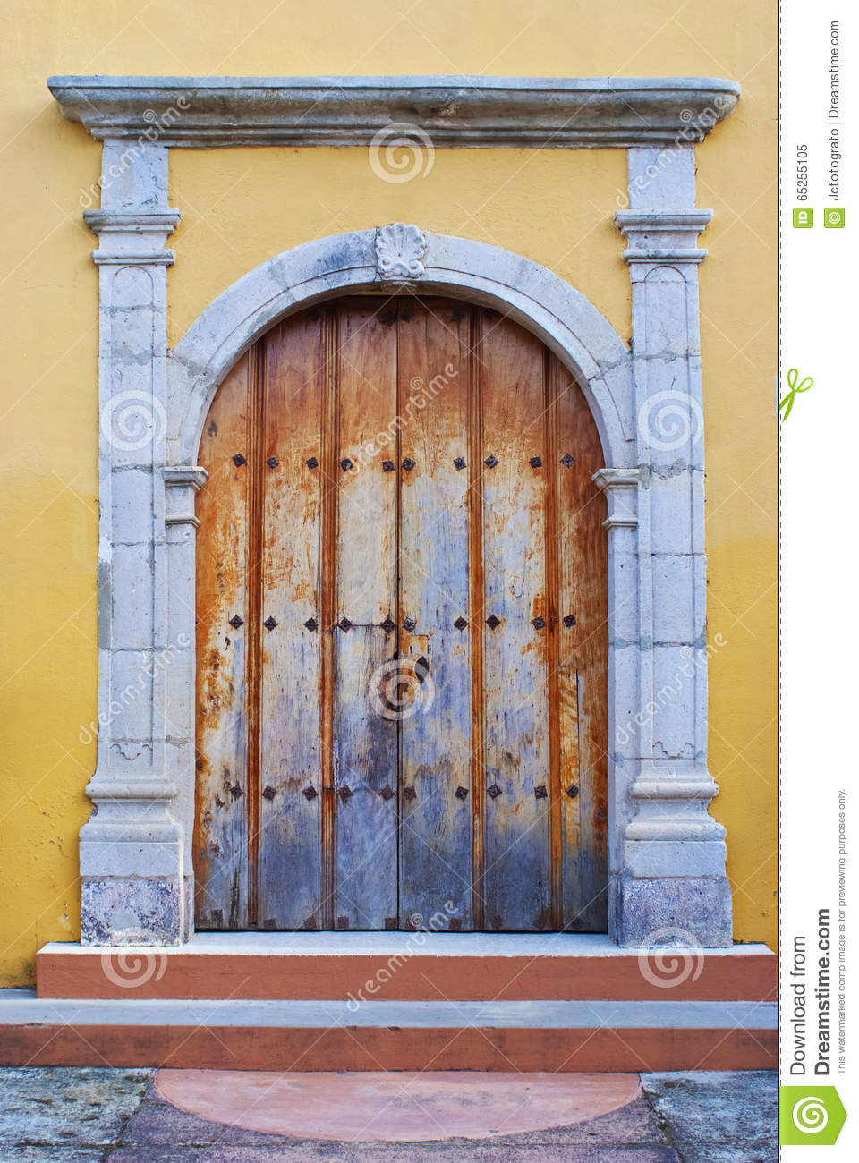 Beautiful mexican wood door royalty free stock photography for Beautiful wooden doors picture collection
