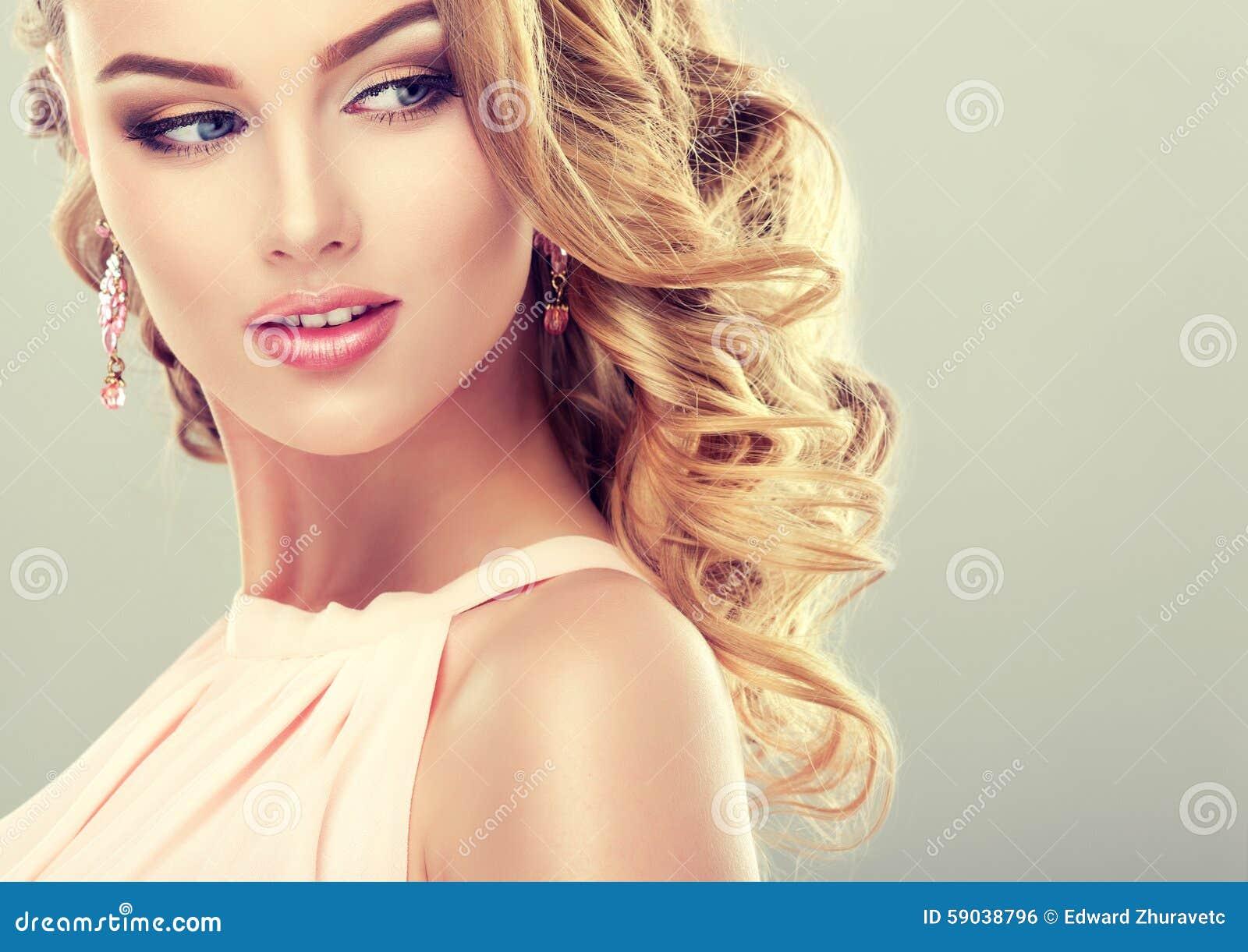 Beautiful Model With Elegant Hairstyle . Stock Photo - Image: 59038796