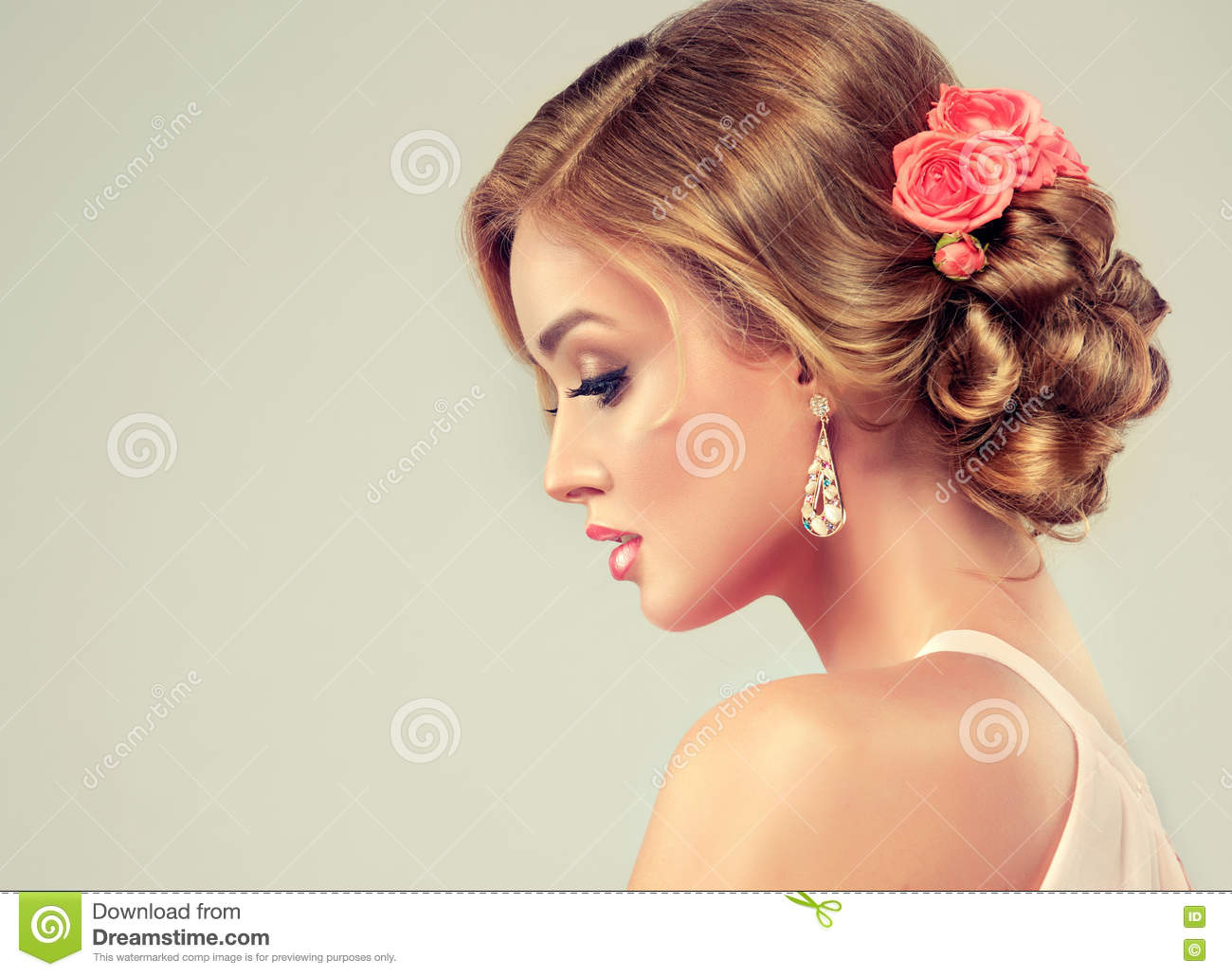 Beautiful Model With Elegant Wedding Hairstyle Stock Photo - Wedding hairstyle download