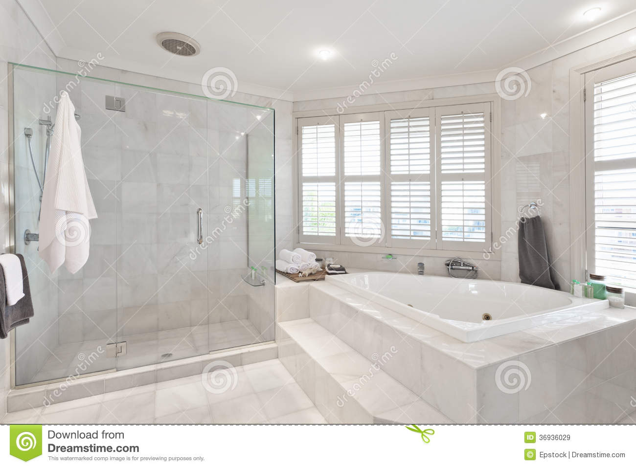 . Beautiful Modern Bathroom In Australian Mansion Stock Image   Image
