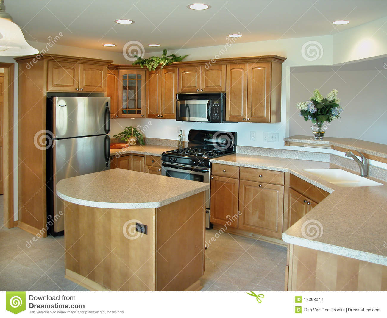 Beautiful modern kitchen stock photo image of granite for Amenagement cuisine provencale