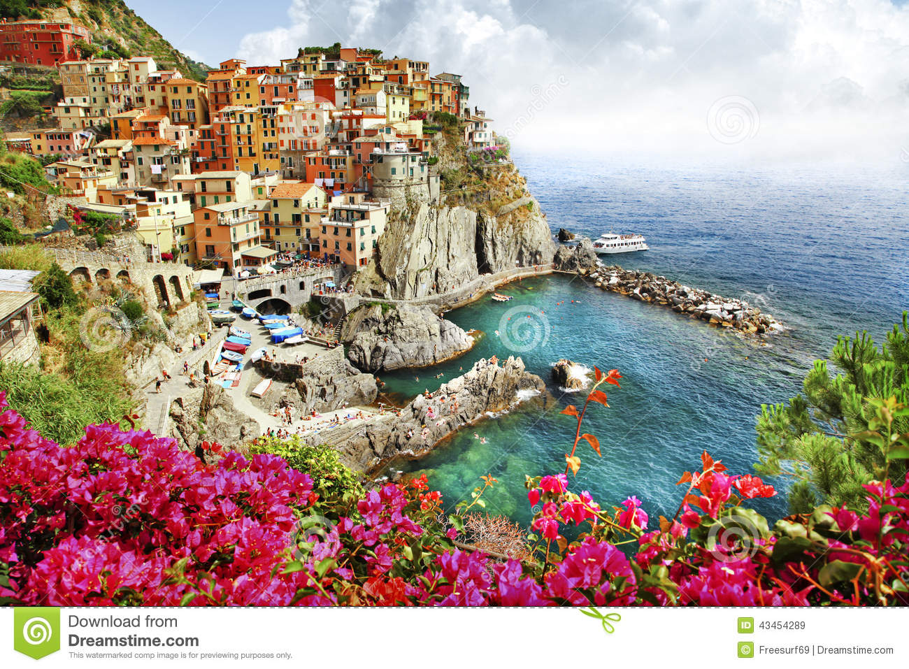 Beautiful Monarola Village (Cinque Terre) Editorial Stock Image ...
