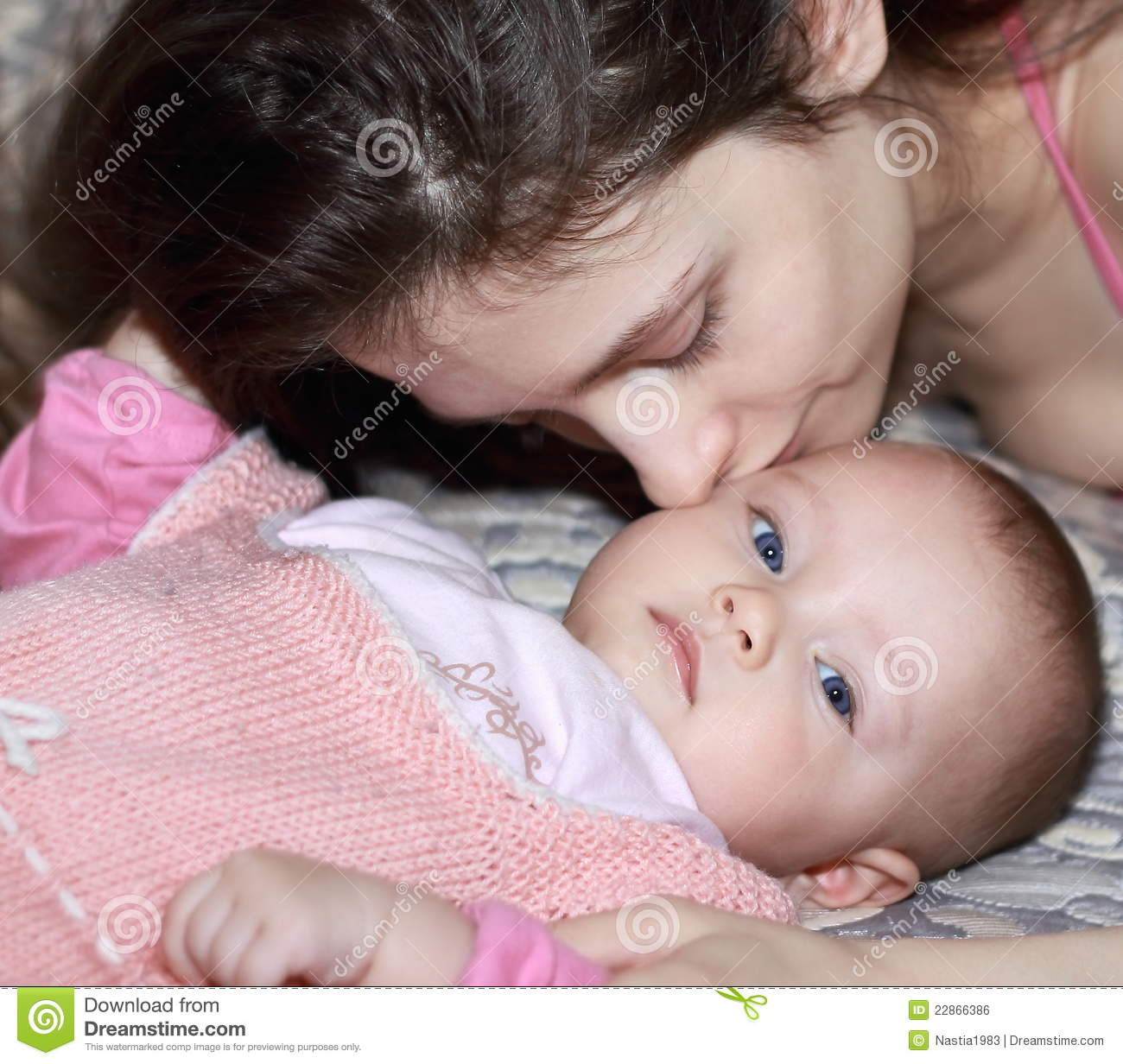 Beautiful mother with small boy gay 6
