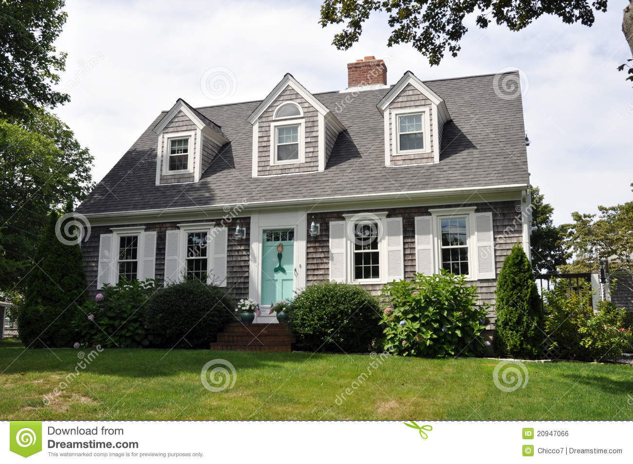 Beautiful new england house royalty free stock image for Beautiful new house