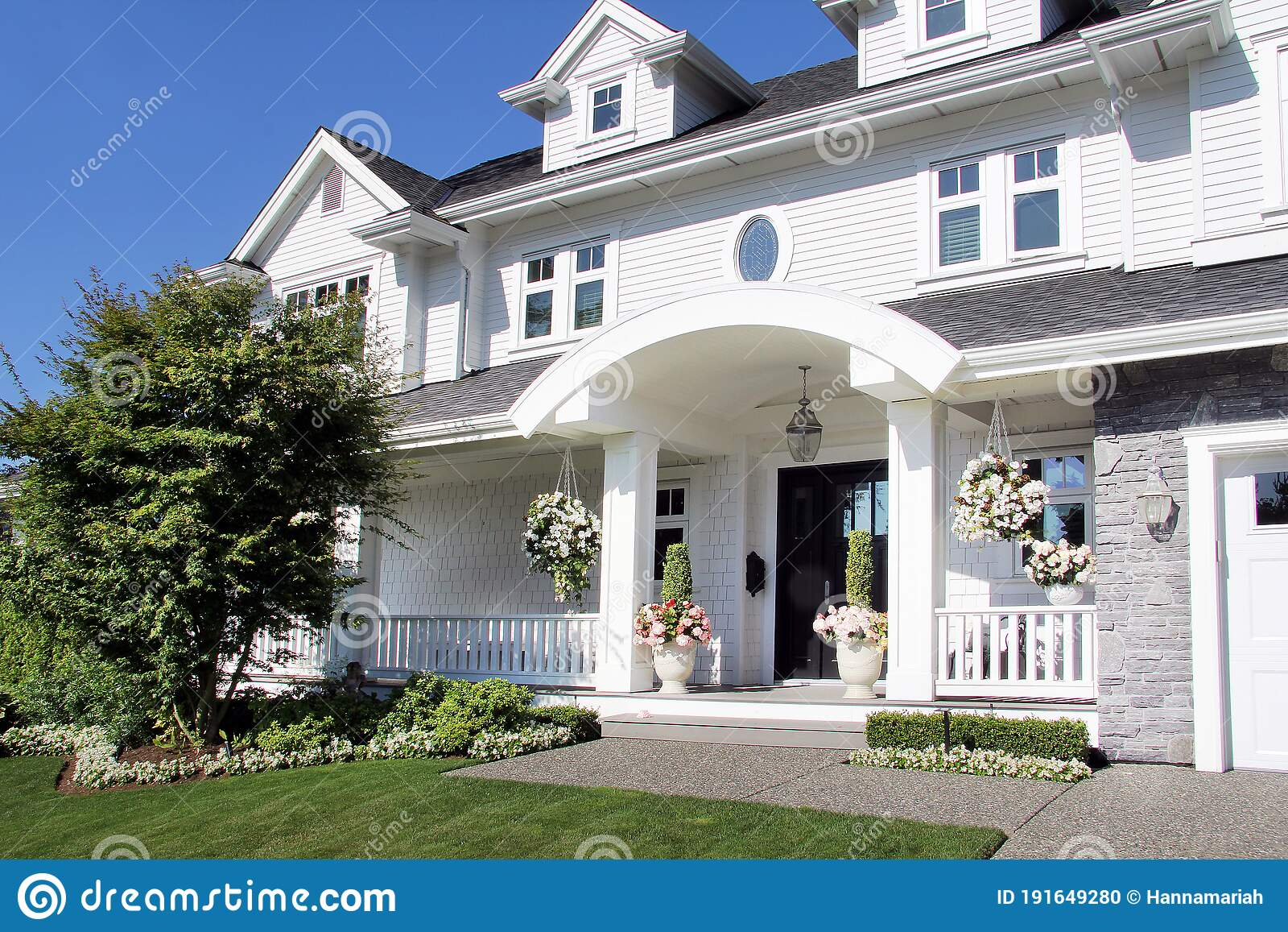 Beautiful New Luxury Home Exterior In Summer Stock Photo Image Of Planter Luxury 191649280