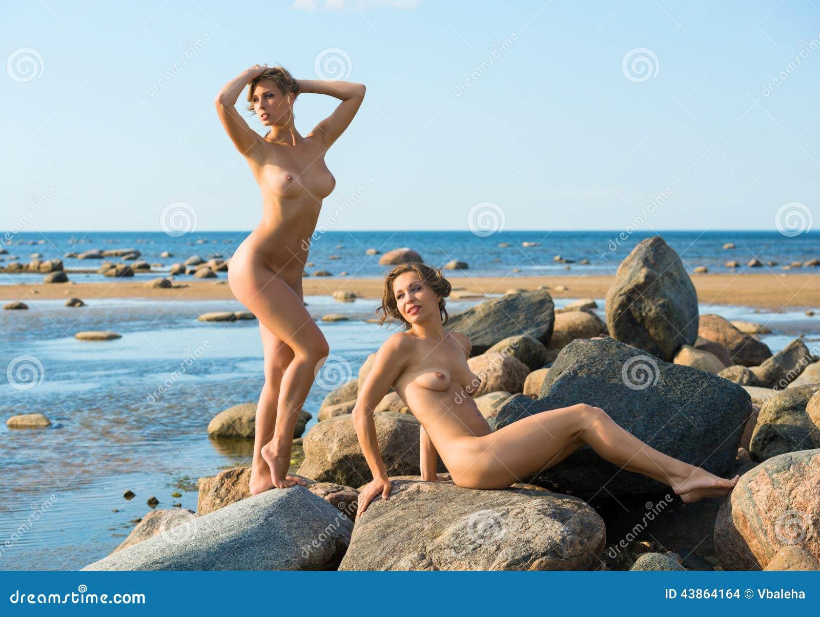 nude beach Beautiful women