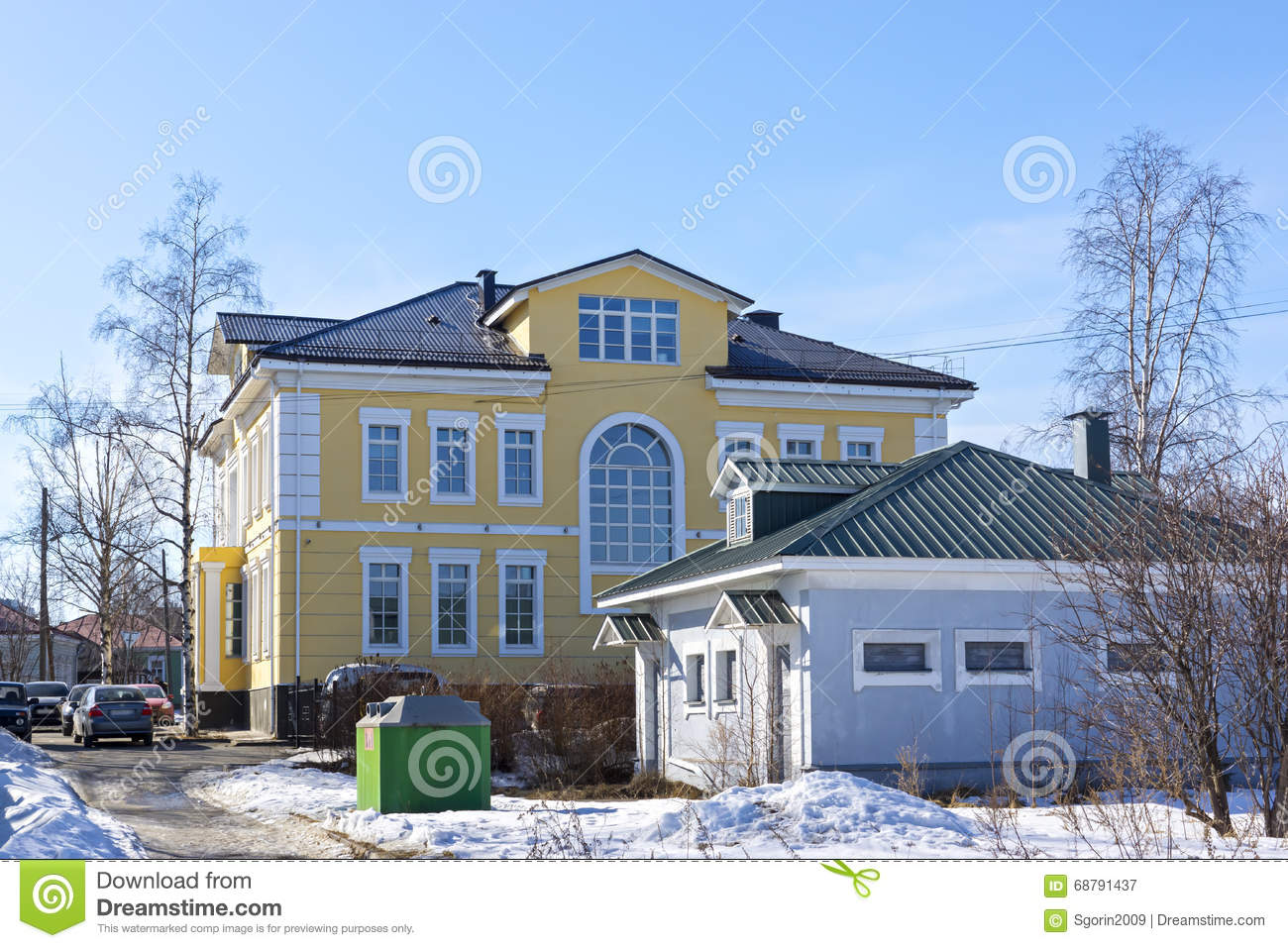 Beautiful Old Big Mansion House Stock Image Image Of Mansion Frozen 68791437