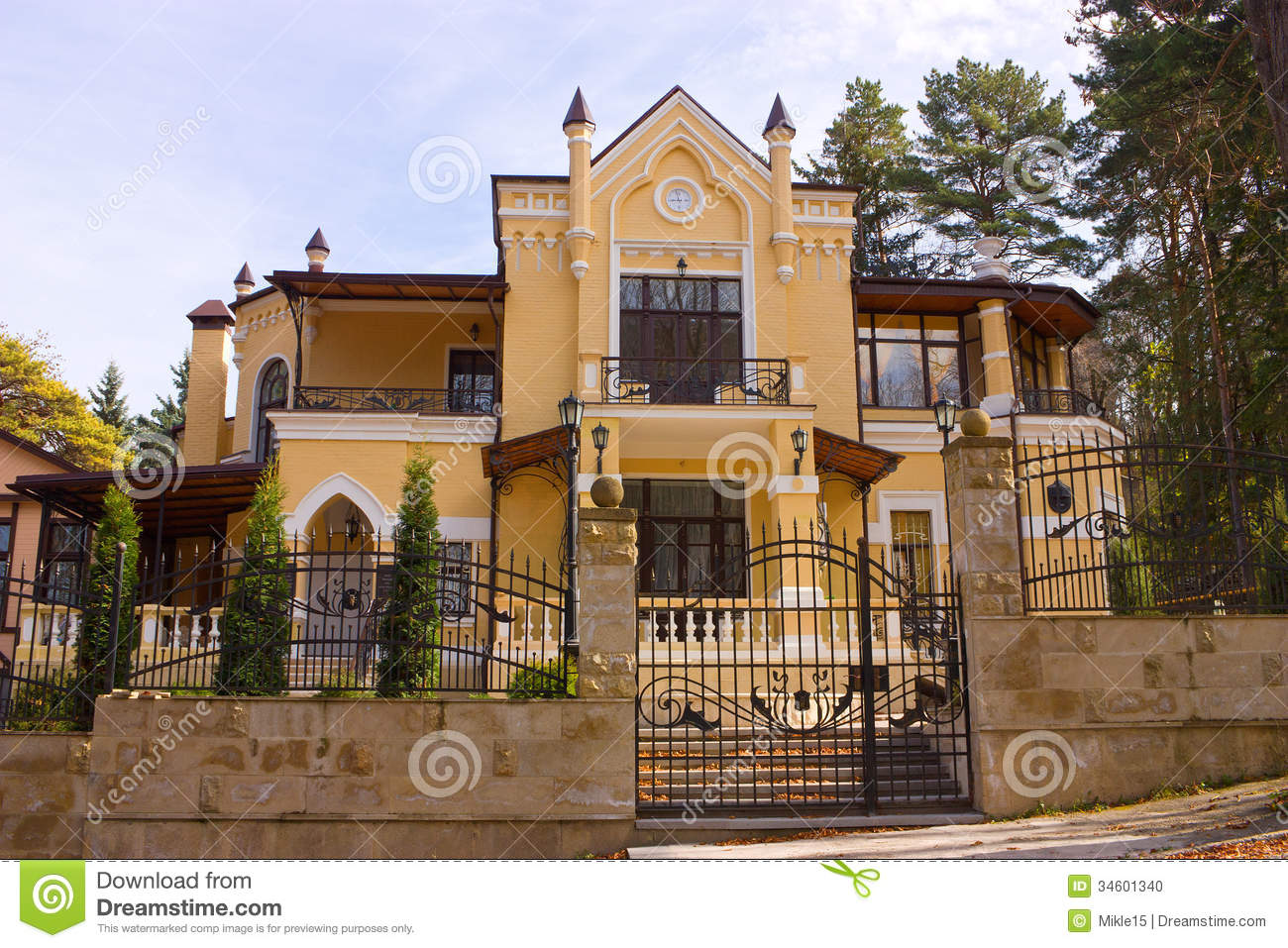 Beautiful old house stock photo image 34601340 for Very pretty houses