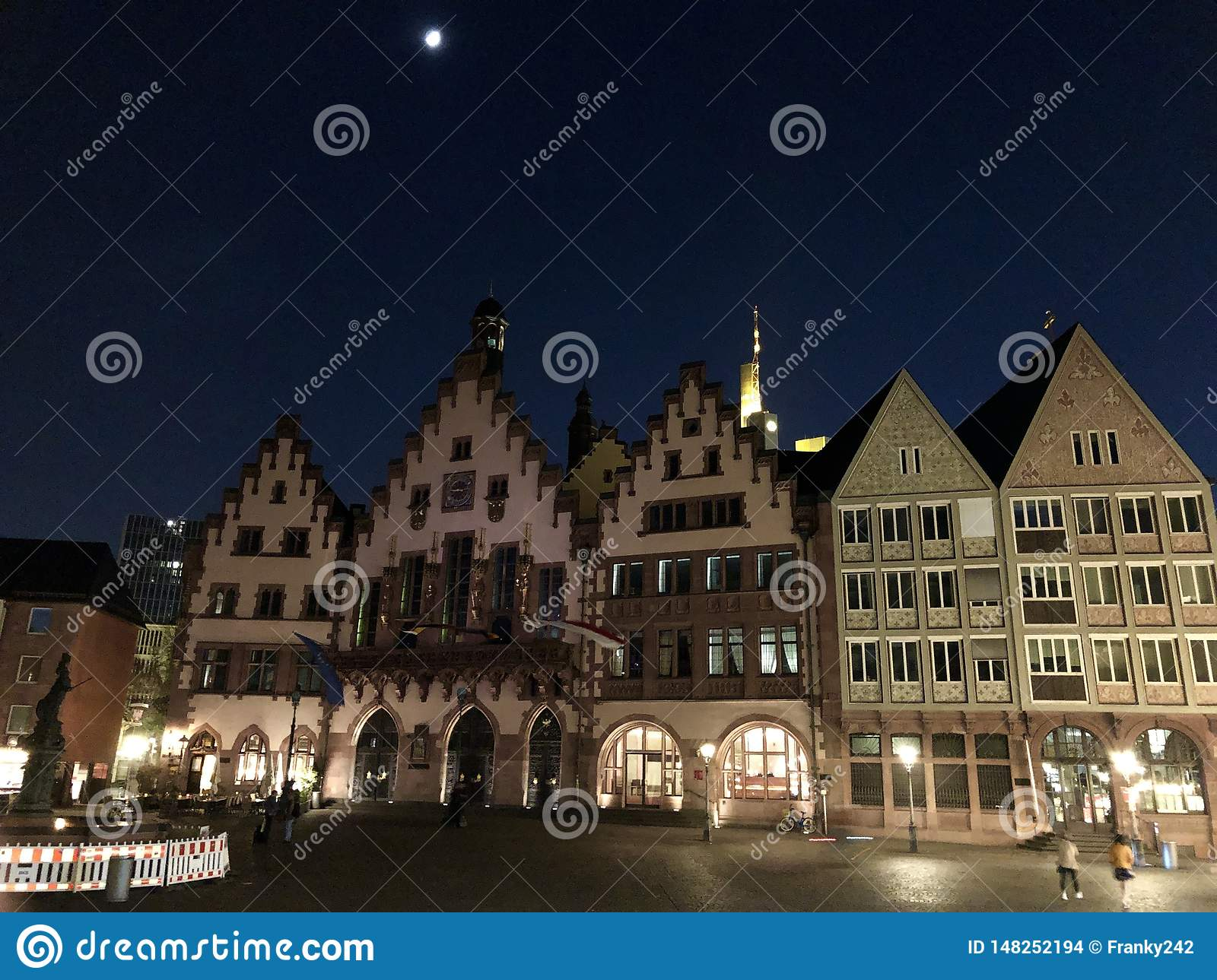 Beautiful old town square in Frankfurt at night