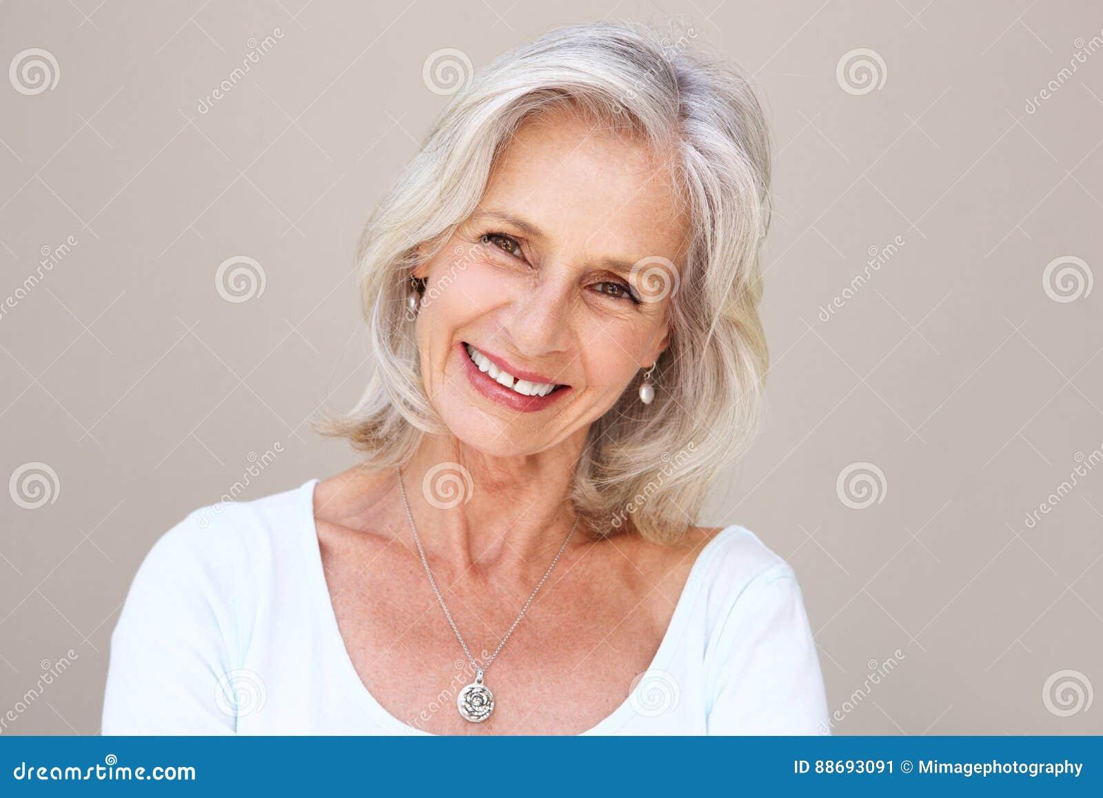 beatiful older women nude