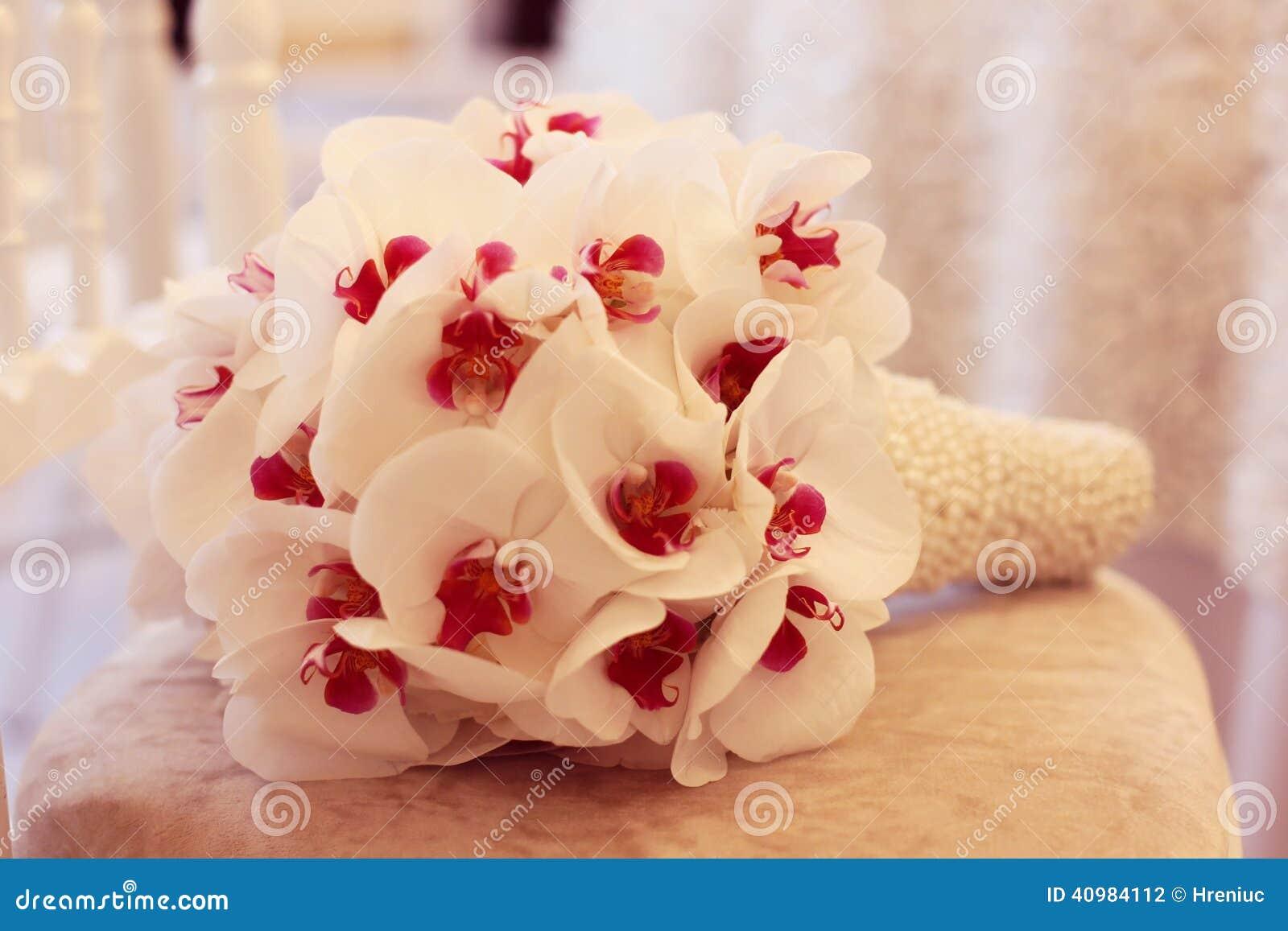 Beautiful Orchid Wedding Bouquet Decoration Arrangement