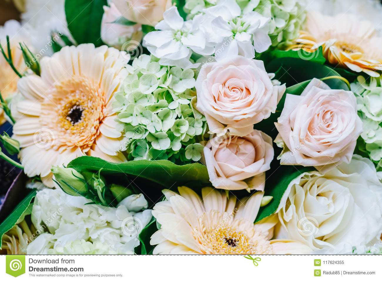 Pink Roses And Gerbera Daisy Flowers Wedding Bouquet Stock Image