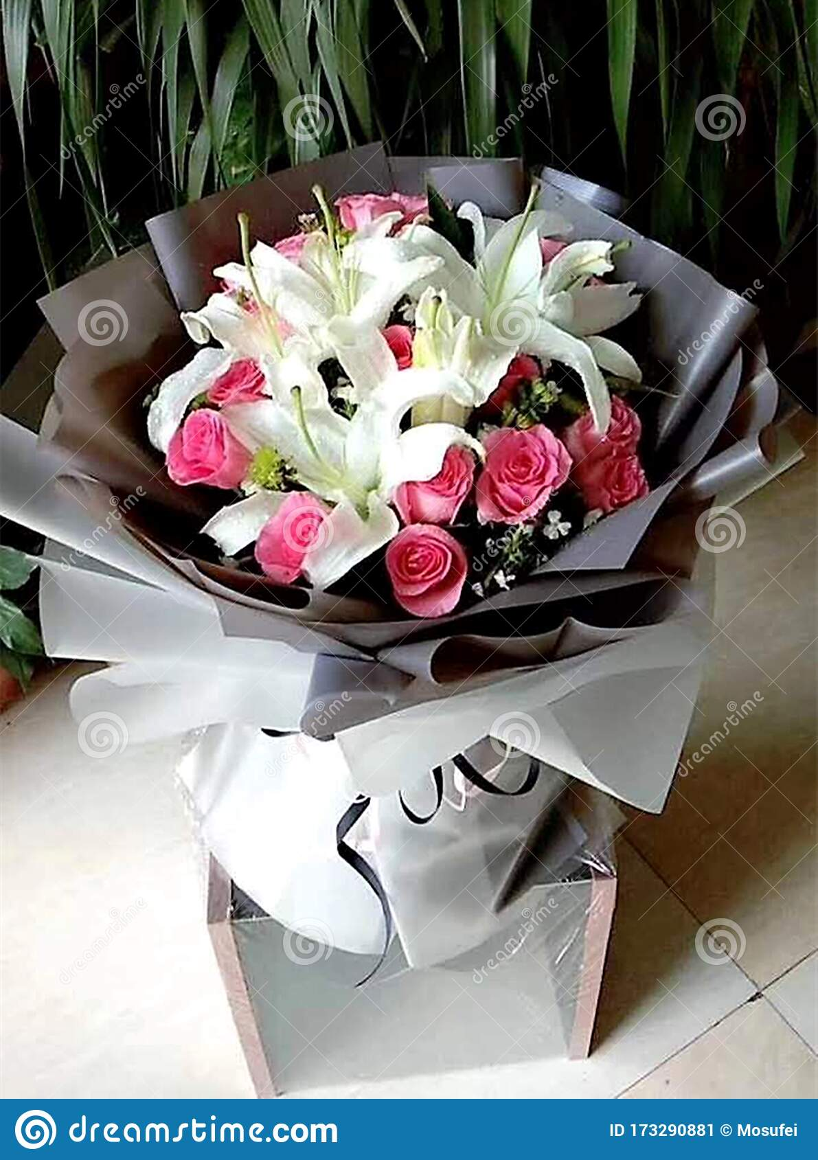 Beautiful Pink Roses And Lily Flower Bouquet Stock Image Image Of Bouquetproposal Roange 173290881