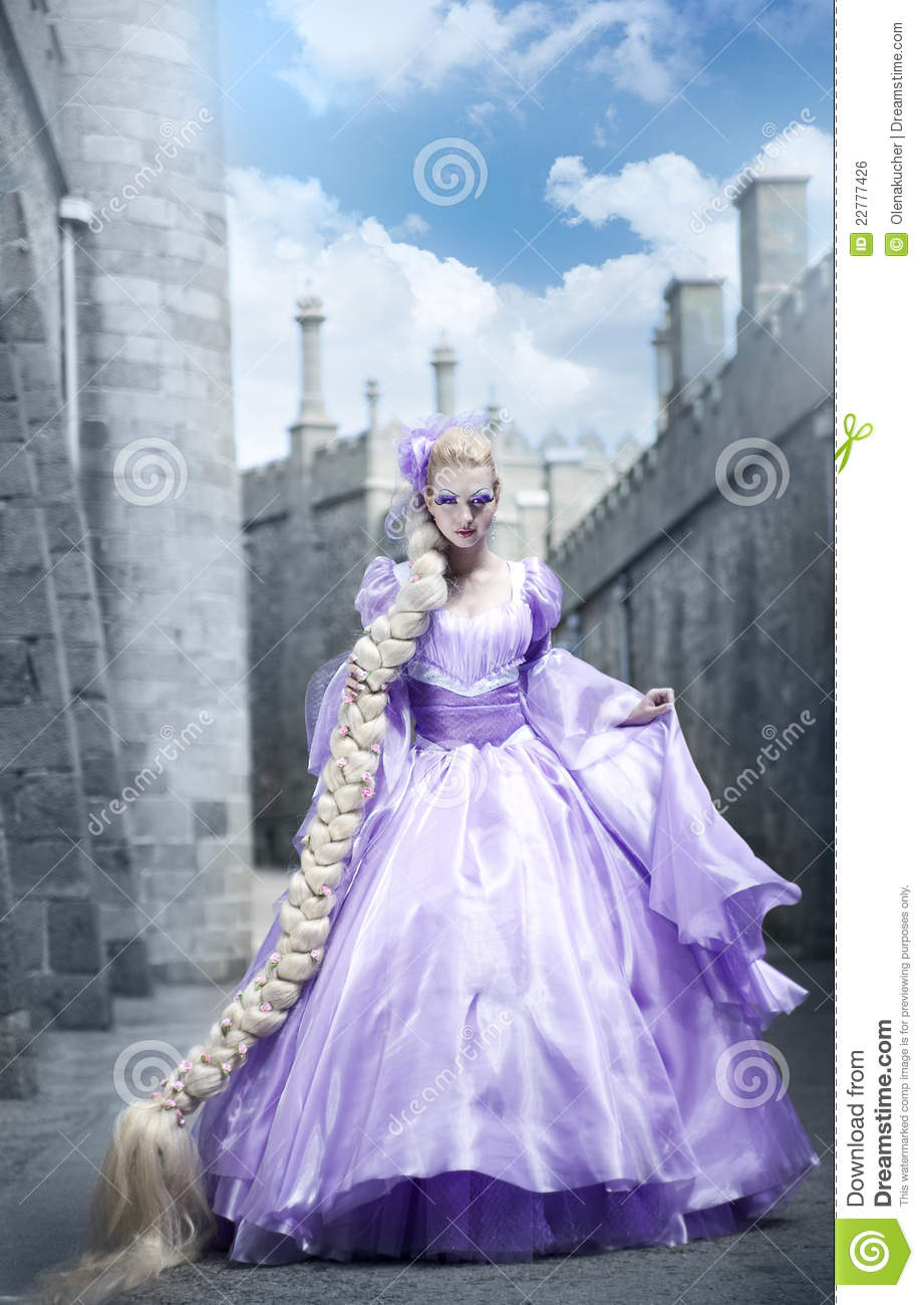 The beautiful princess with a long plait royalty free - Images princesse ...