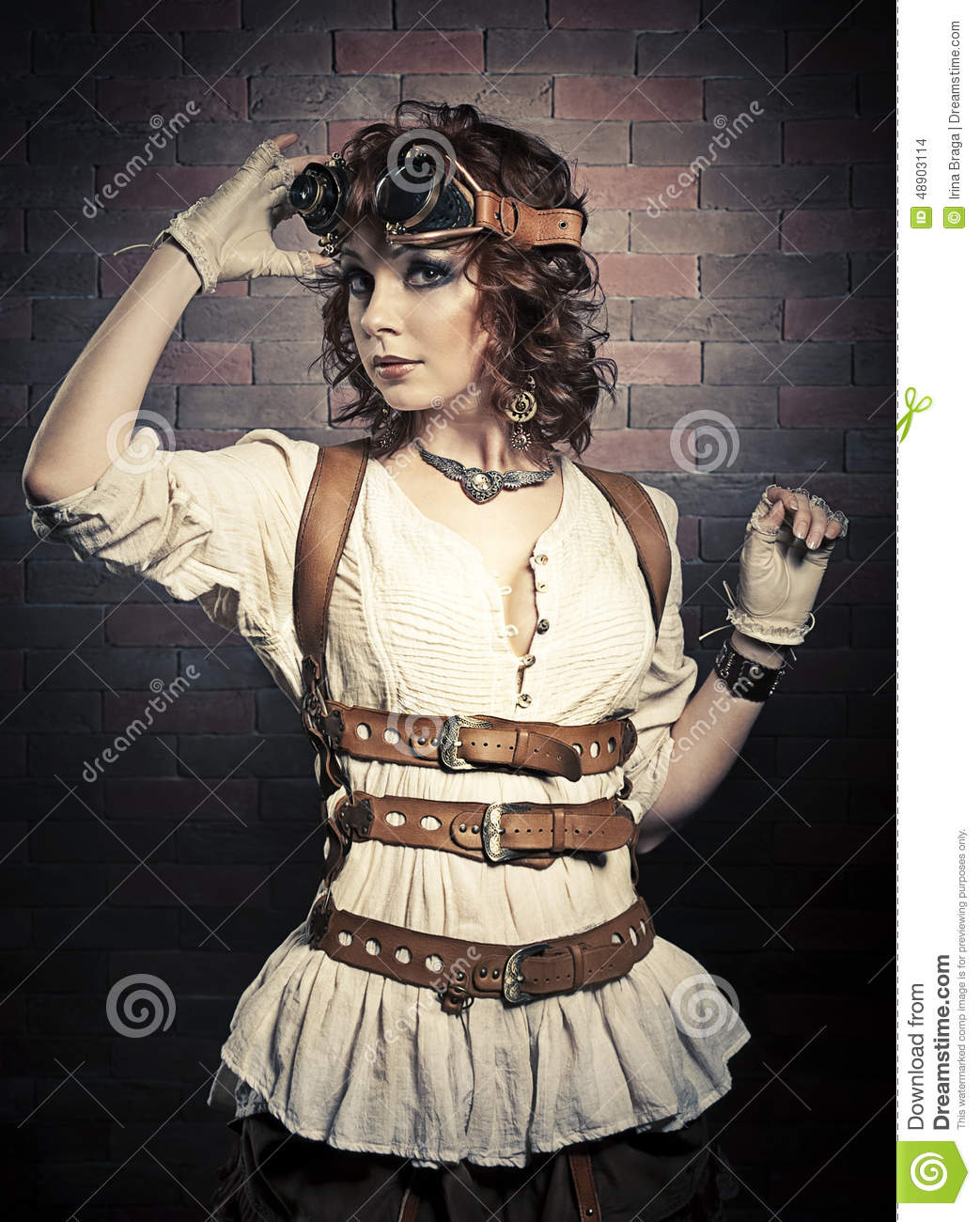 Exceptionnel Beautiful Redhair Woman With Steampunk Goggles Stock Photo - Image  TB11
